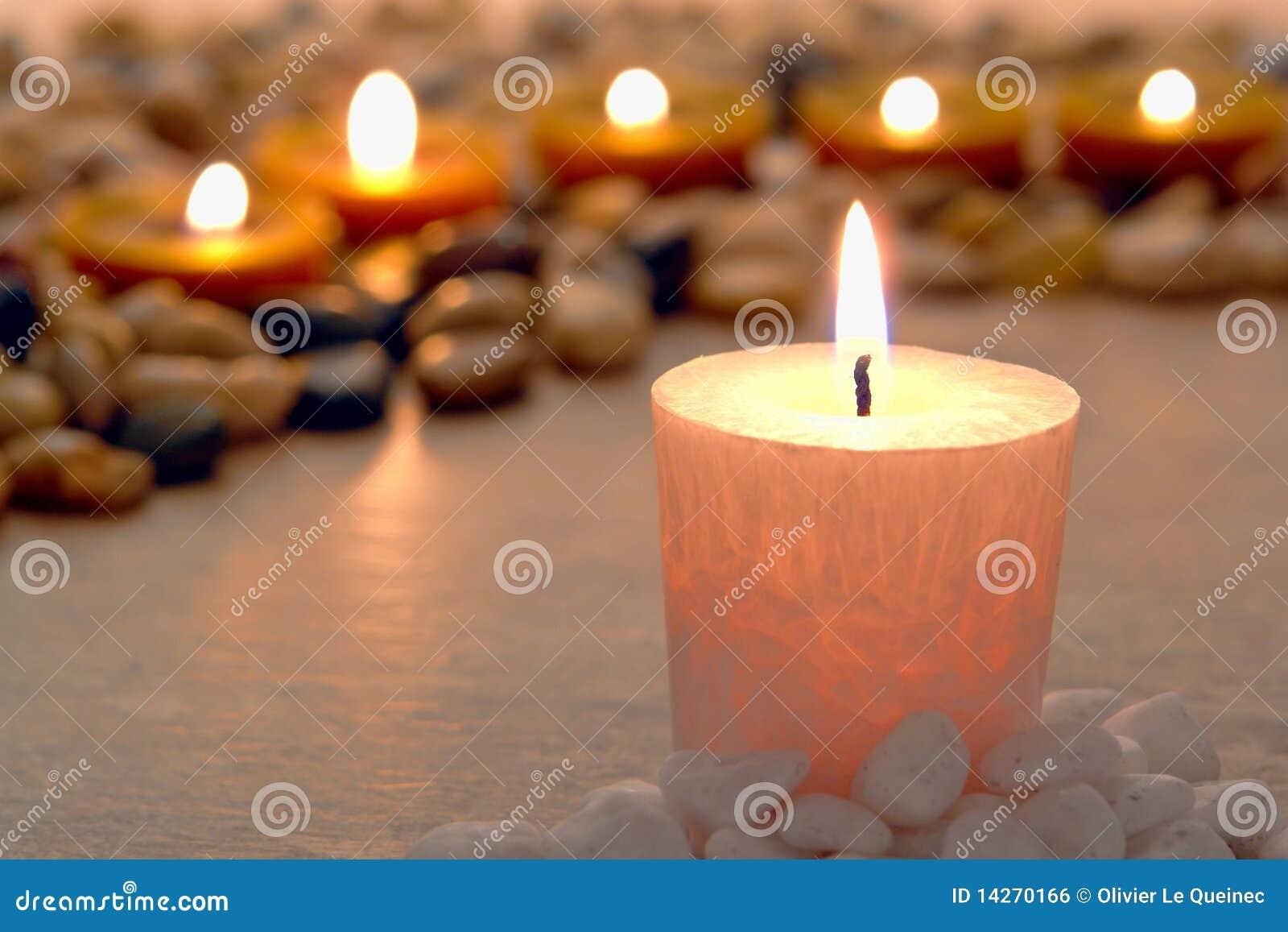 καίγοντας μνημείο κεριών