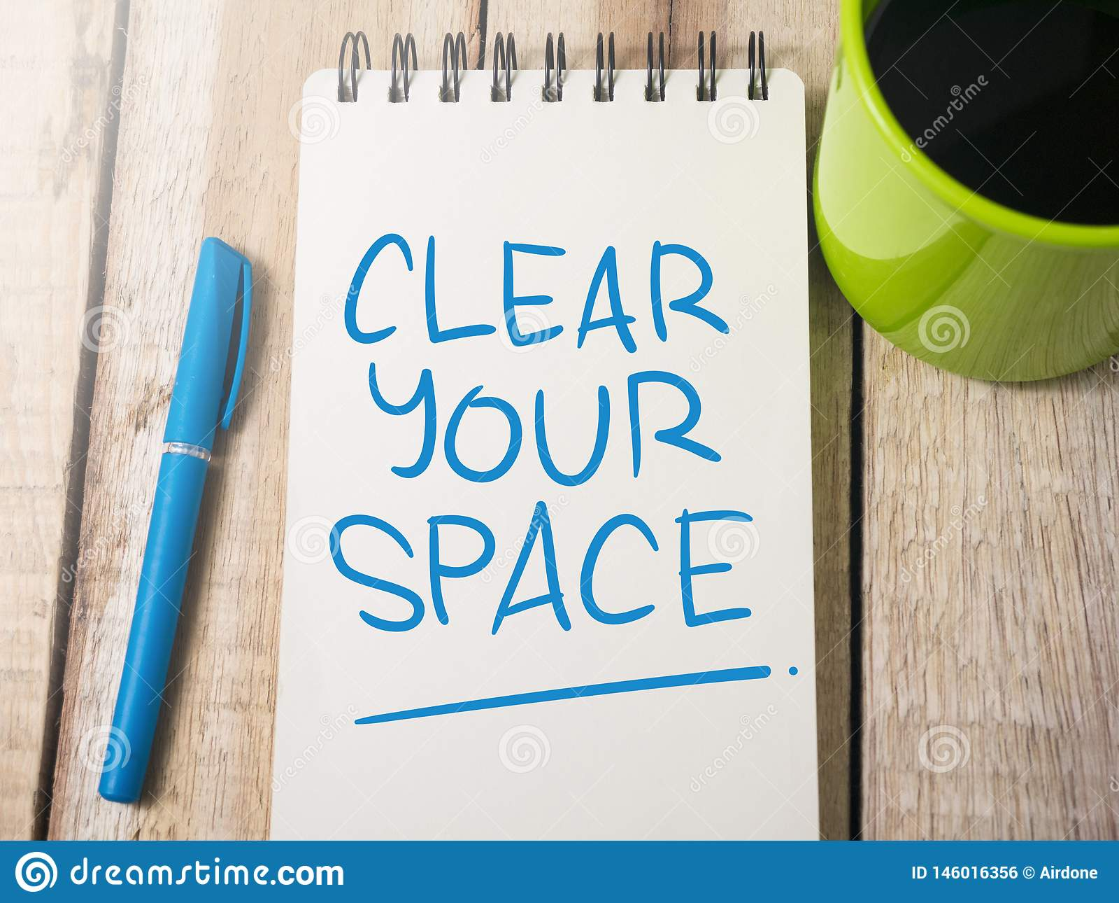 Καθαρίστε τη διαστημική, κινητήρια έννοια αποσπασμάτων λέξεών σας