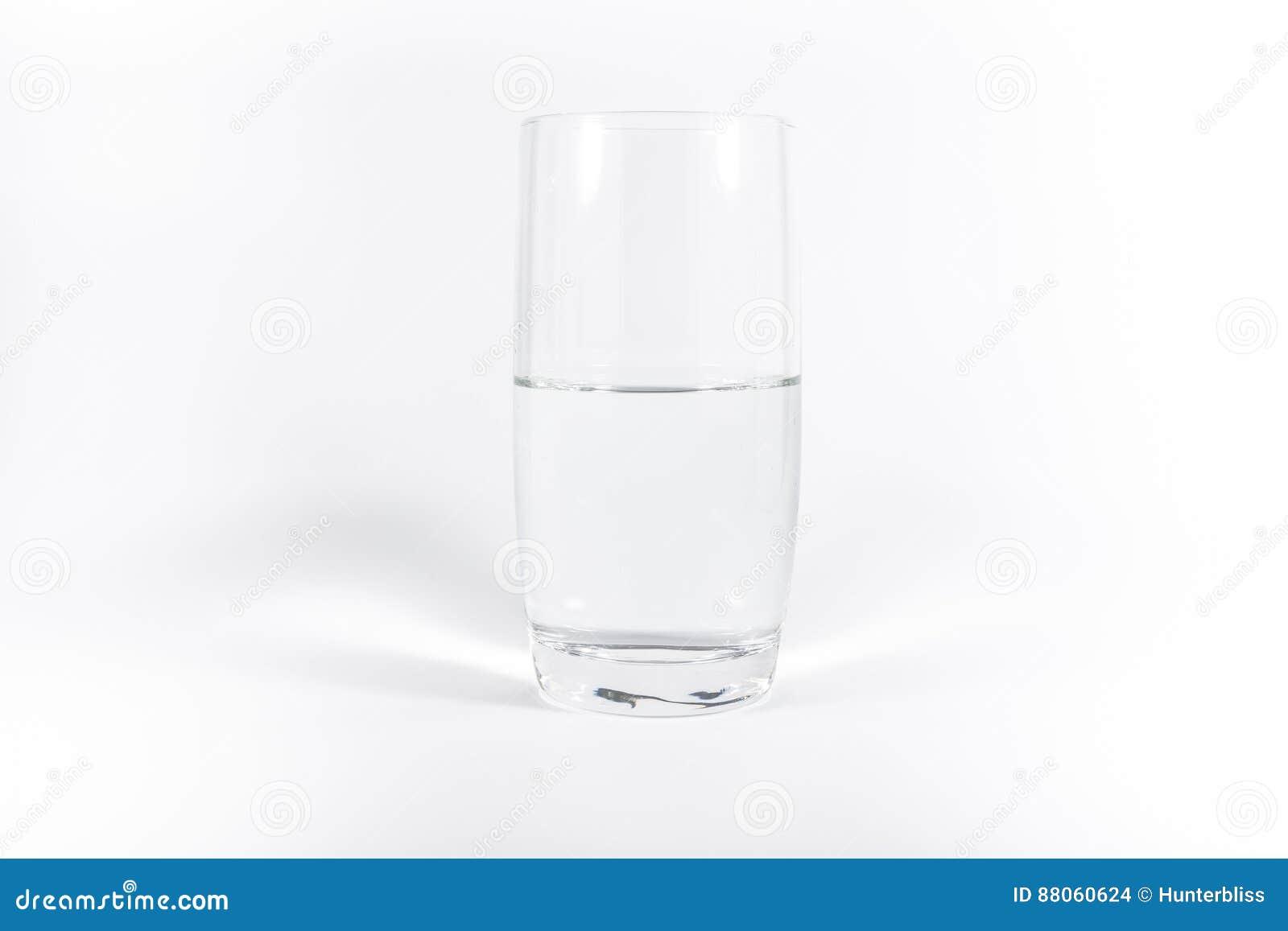 Καθαρό καθαρό γυαλί άσπρου υποβάθρου Ν Minimalistic νερού του απλού