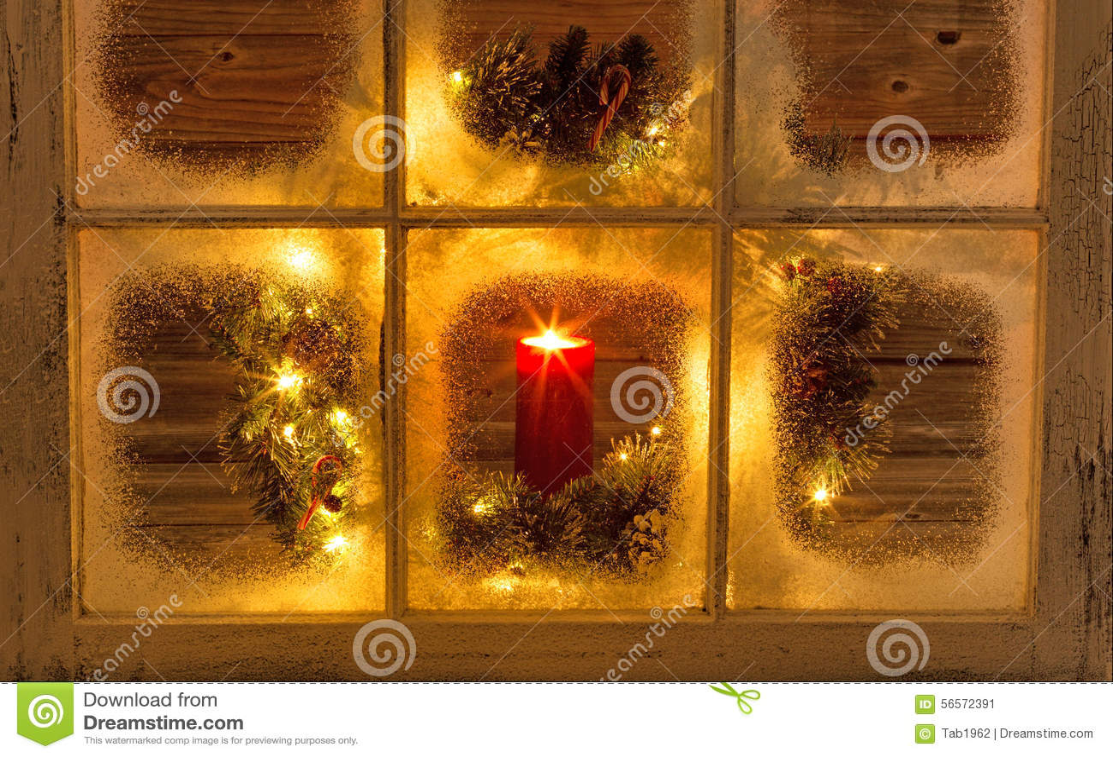 Download Καμμένος κερί στο παράθυρο διακοπών Στοκ Εικόνα - εικόνα από βράδυ, πεύκο: 56572391