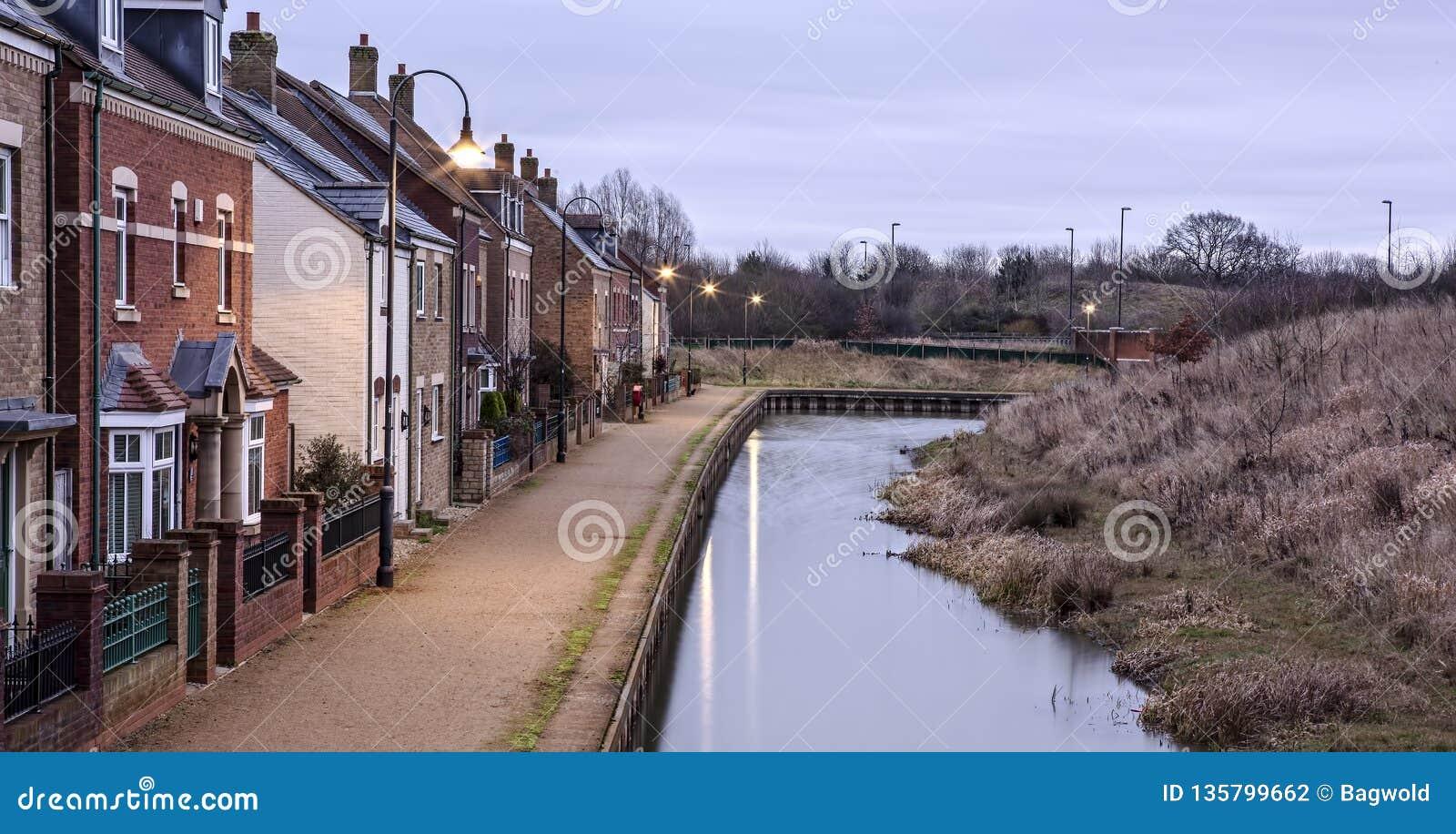 Κανάλι-πλευρά που ζει στην ανατολή Wichel Swindon