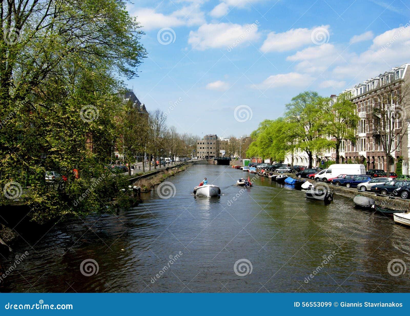 Download Κανάλια του Άμστερνταμ στις Κάτω Χώρες Εκδοτική Στοκ Εικόνα - εικόνα από τουρισμός, κανάλια: 56553099