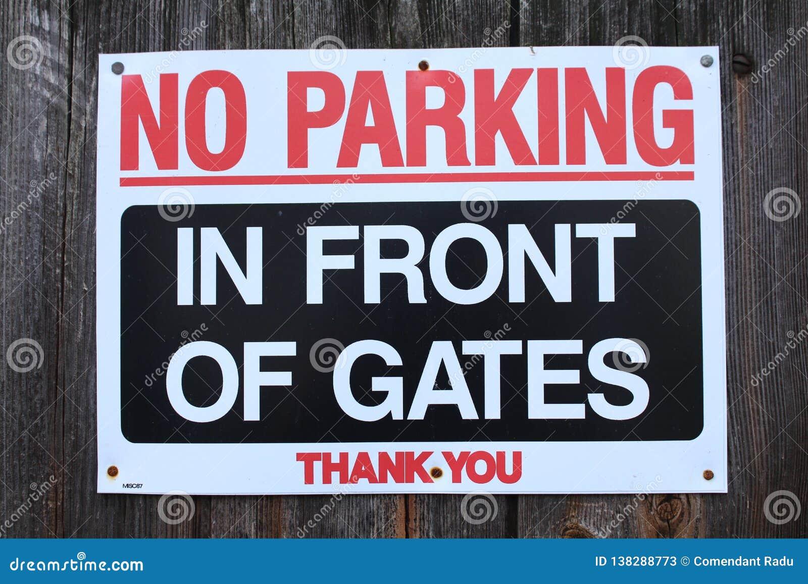 Κανένας χώρος στάθμευσης μπροστά από τις πύλες