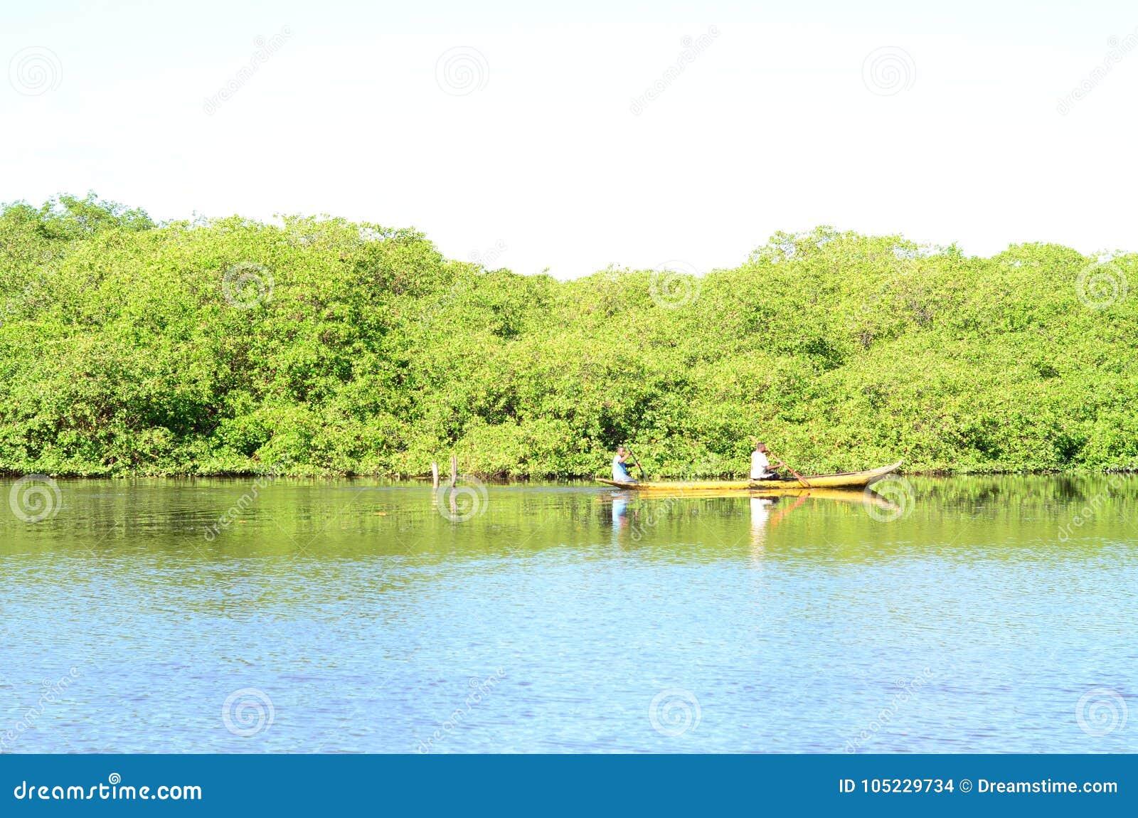 Κανό στον ποταμό