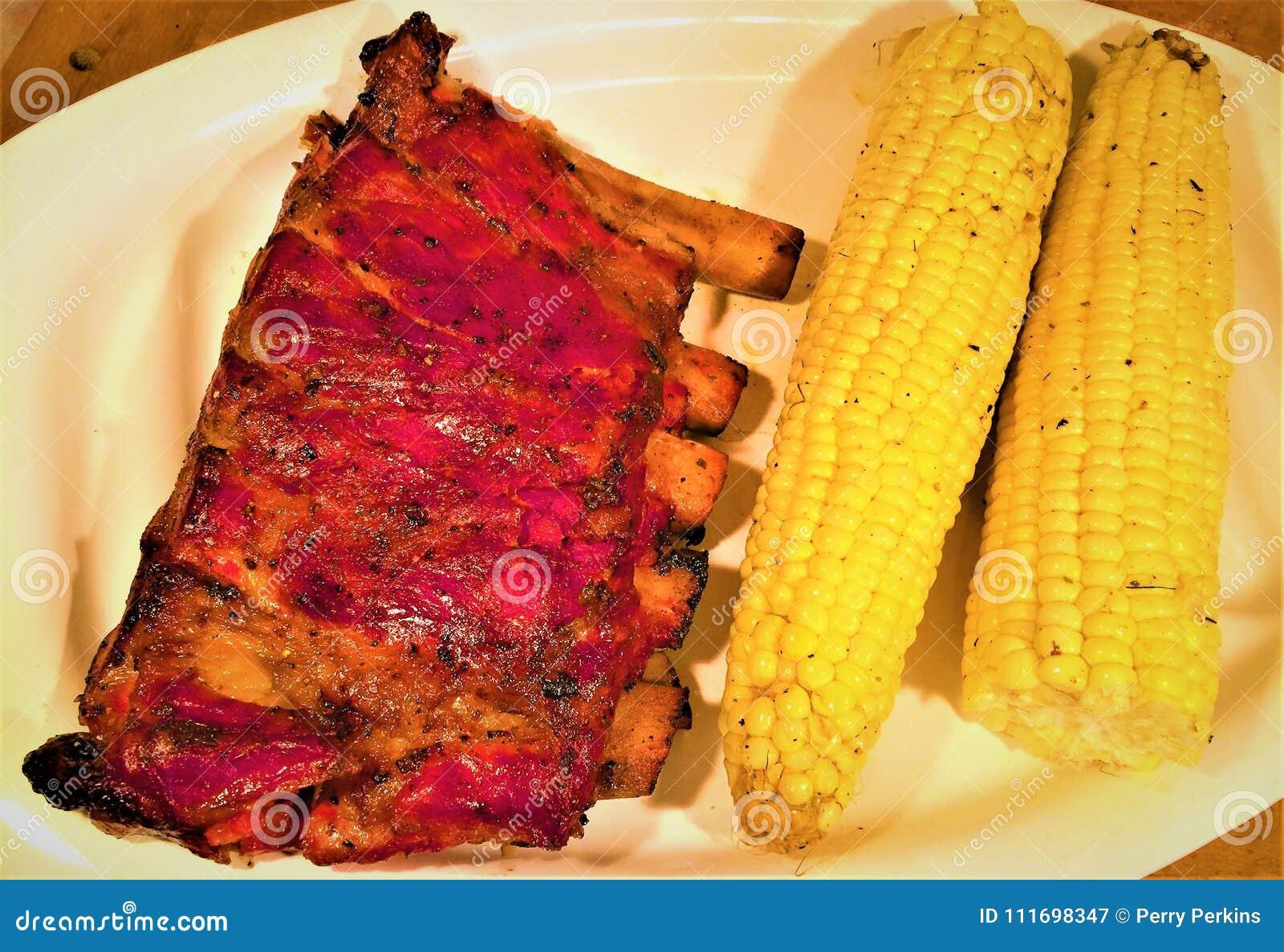 Καπνισμένες το Σαιντ Λούις μπριζόλες χοιρινού κρέατος