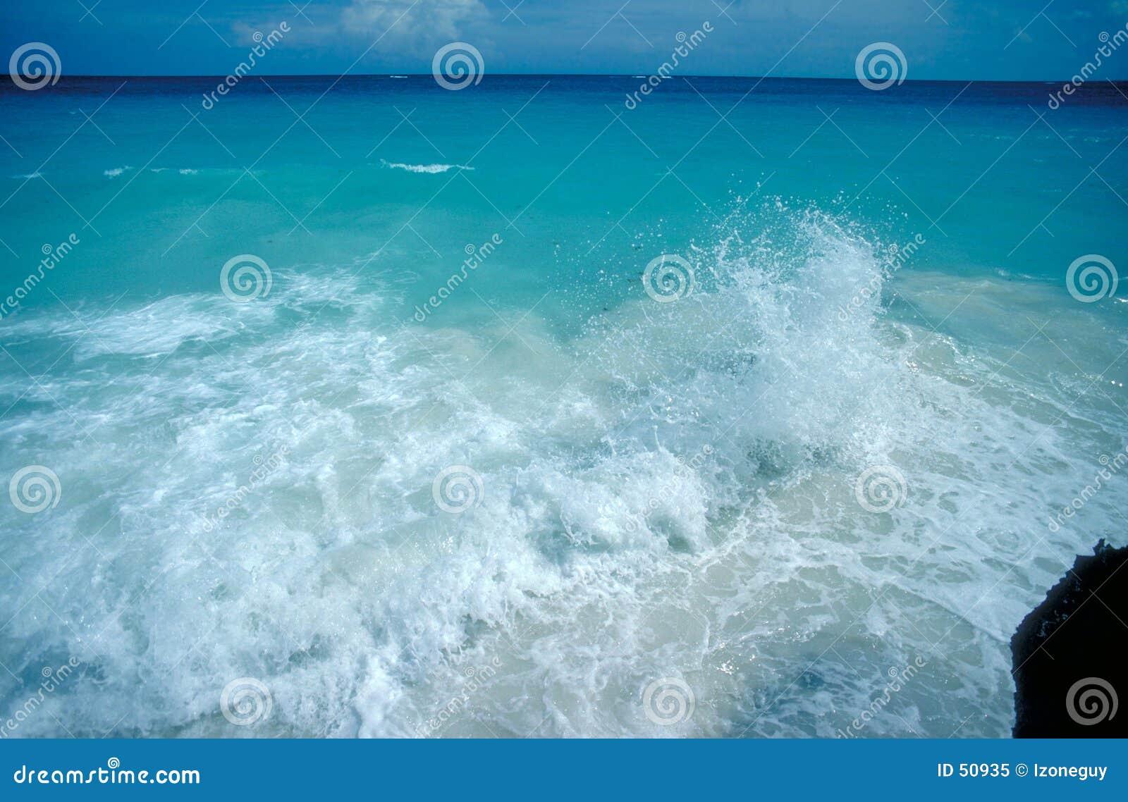 Download καραϊβικό κύμα παφλασμών στοκ εικόνα. εικόνα από καραϊβικός - 50935
