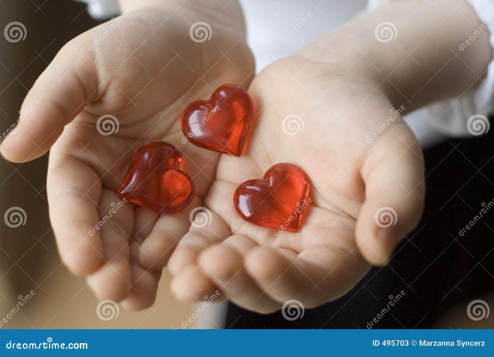 καρδιές τρία