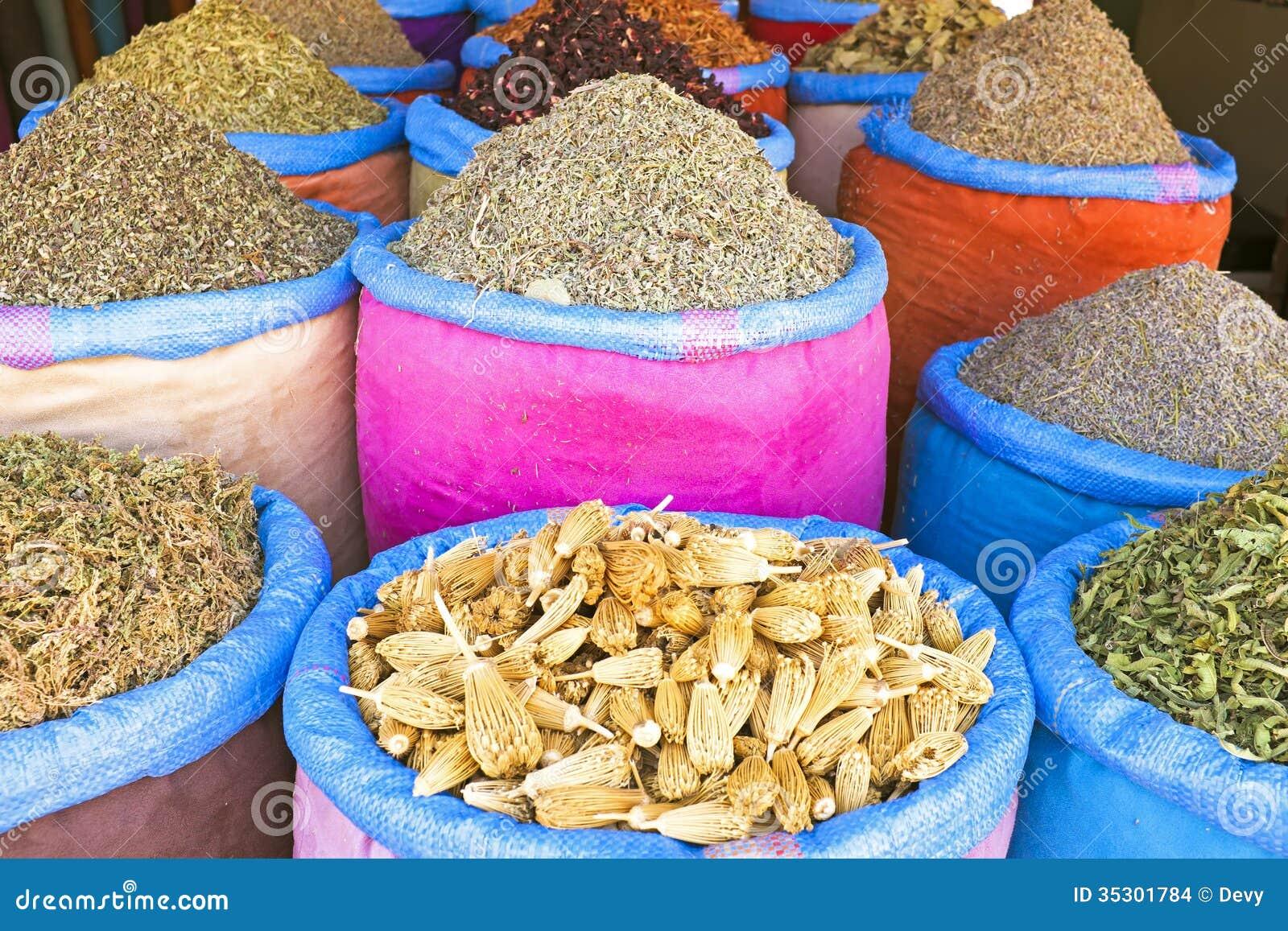 Καρυκεύματα στην αγορά του Μαρακές, Μαρόκο