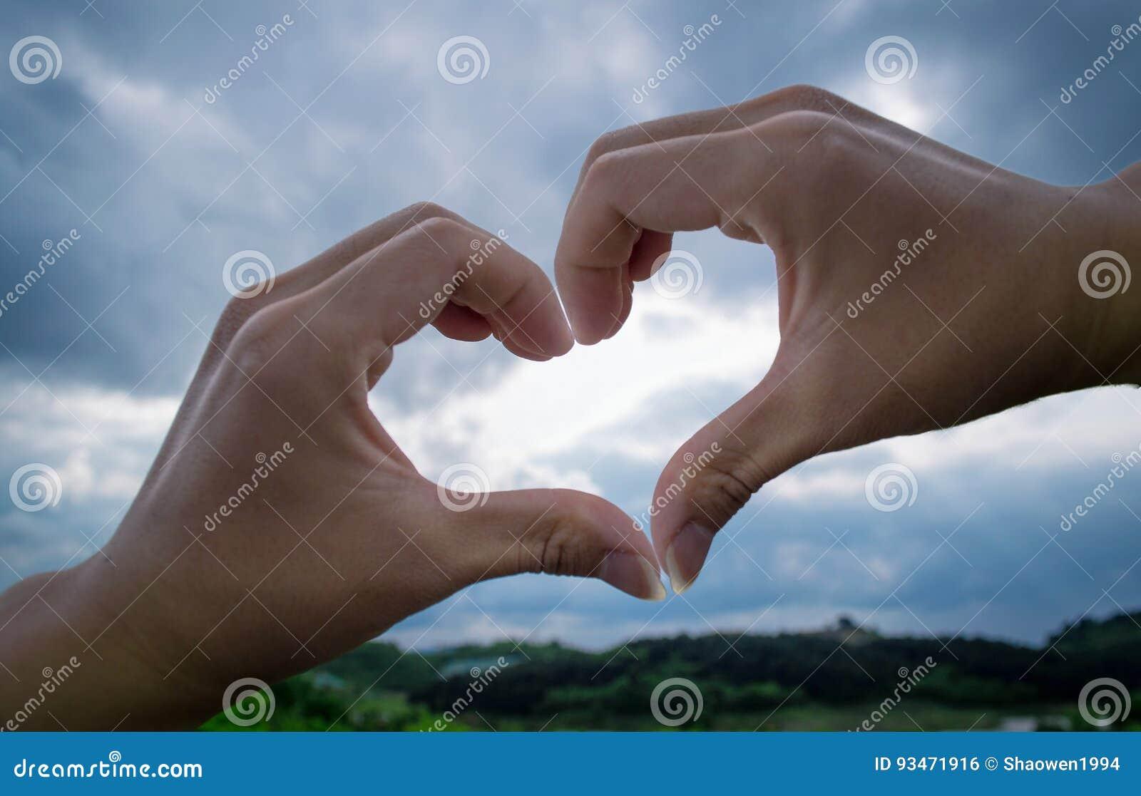 Καρδιά αγάπης χεριών