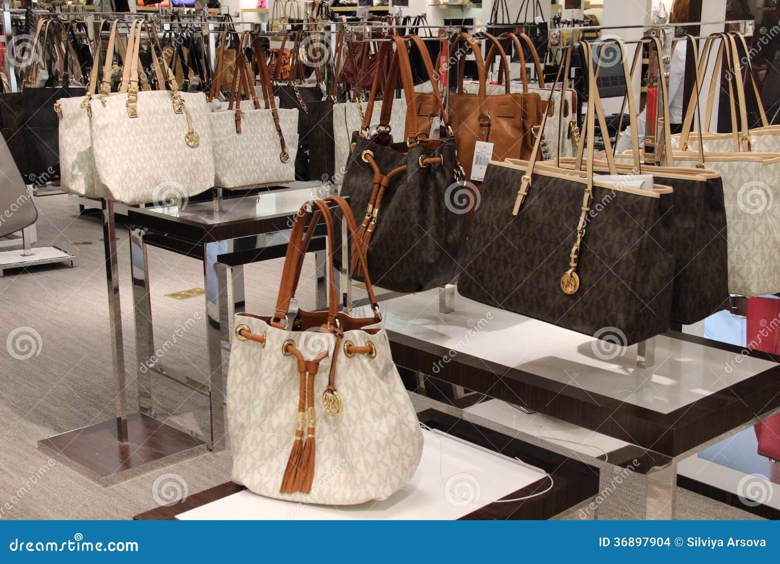 7885765994 Κατάστημα μόδας τσαντών του Michael Kors Εκδοτική Στοκ Εικόνα ...