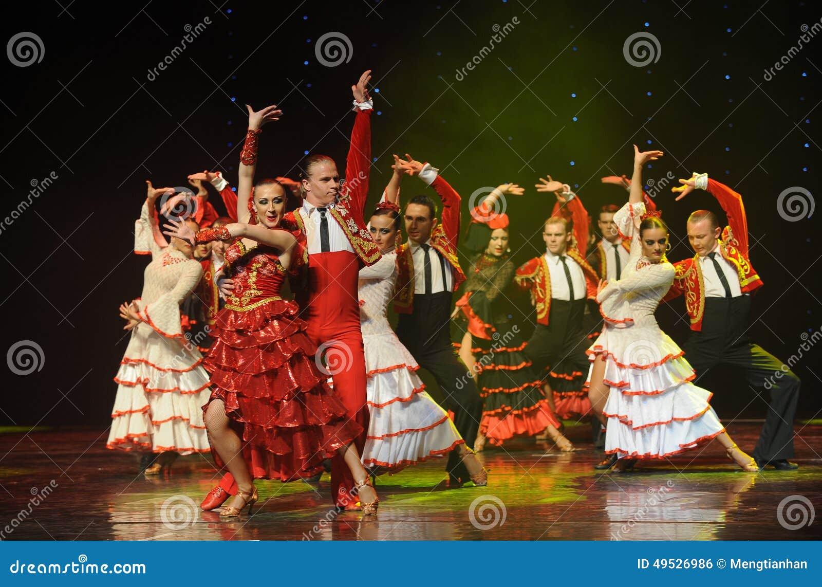 Κατακτήστε μια γυναίκα όπως τα ταύρος-ισπανικά ο flamenco-παγκόσμιος χορός της Αυστρίας