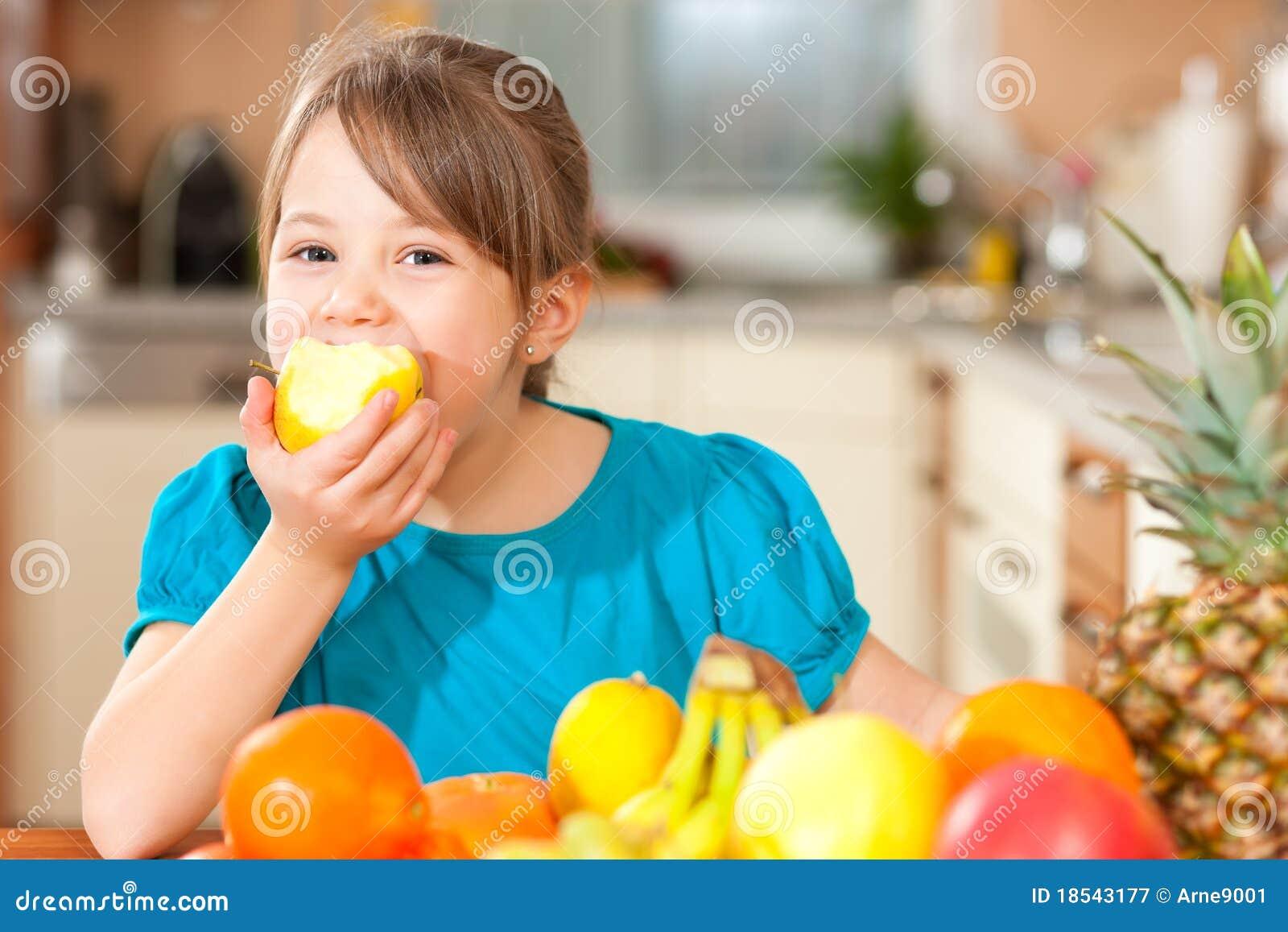 κατανάλωση παιδιών μήλων