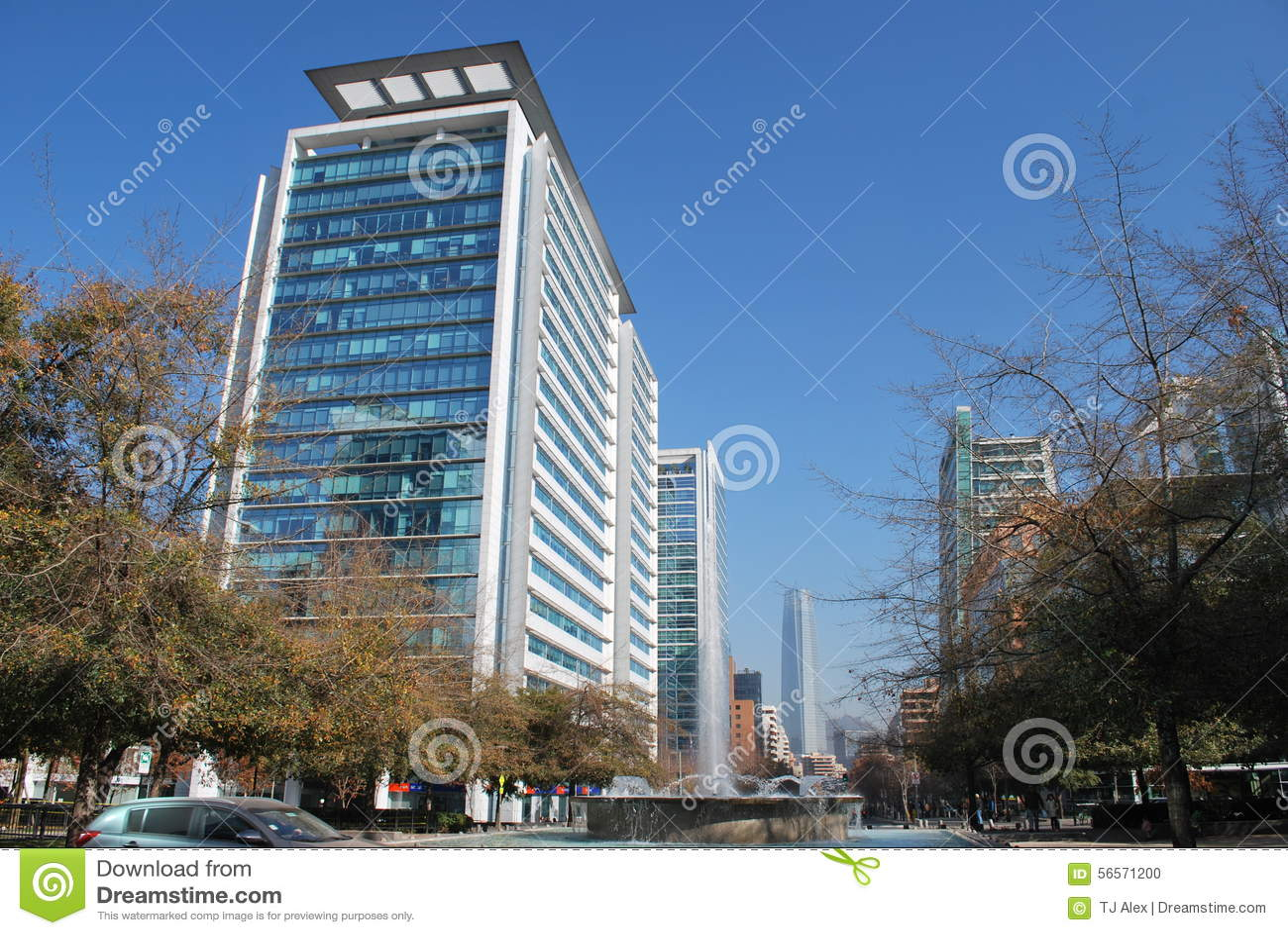 Download Καταπληκτικοί ουρανοξύστες στο Σαντιάγο, Χιλή Στοκ Εικόνες - εικόνα από σπίτια, ορόσημο: 56571200