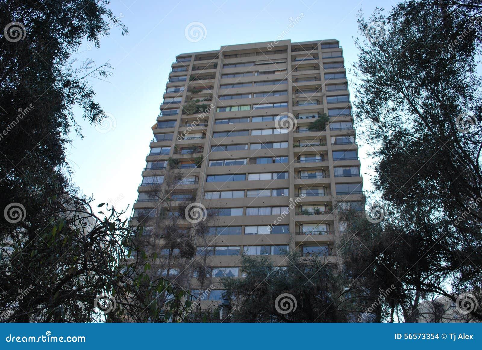 Download Καταπληκτικοί ουρανοξύστες στο Σαντιάγο, Χιλή Στοκ Εικόνες - εικόνα από ξενοδοχεία, τοπίο: 56573354
