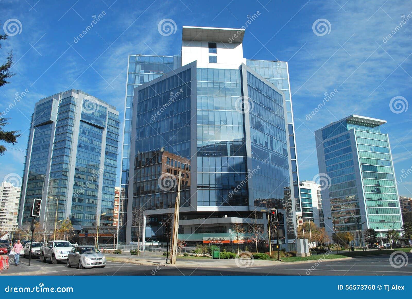 Download Καταπληκτικοί ουρανοξύστες στο Σαντιάγο, Χιλή Εκδοτική εικόνα - εικόνα από σαντιάγο, πόλη: 56573760