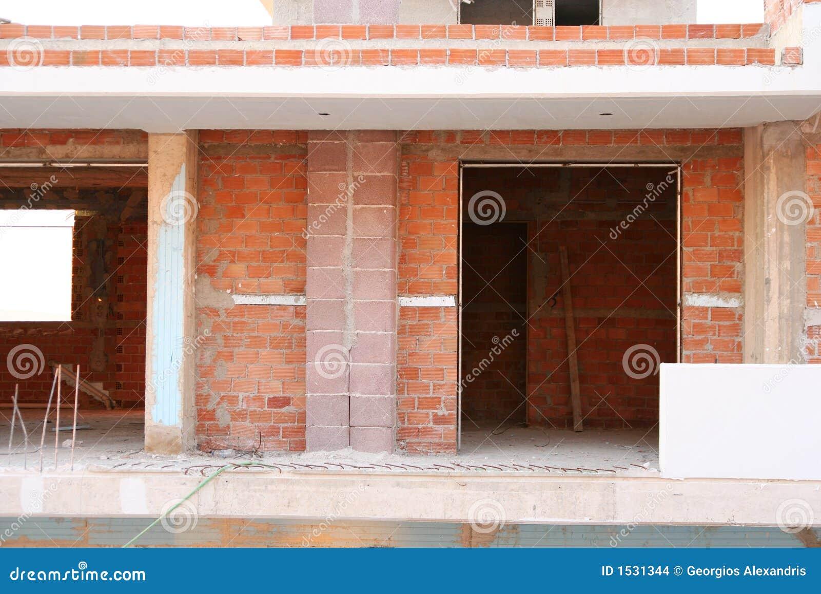 κατασκευή διαμερισμάτων κάτω