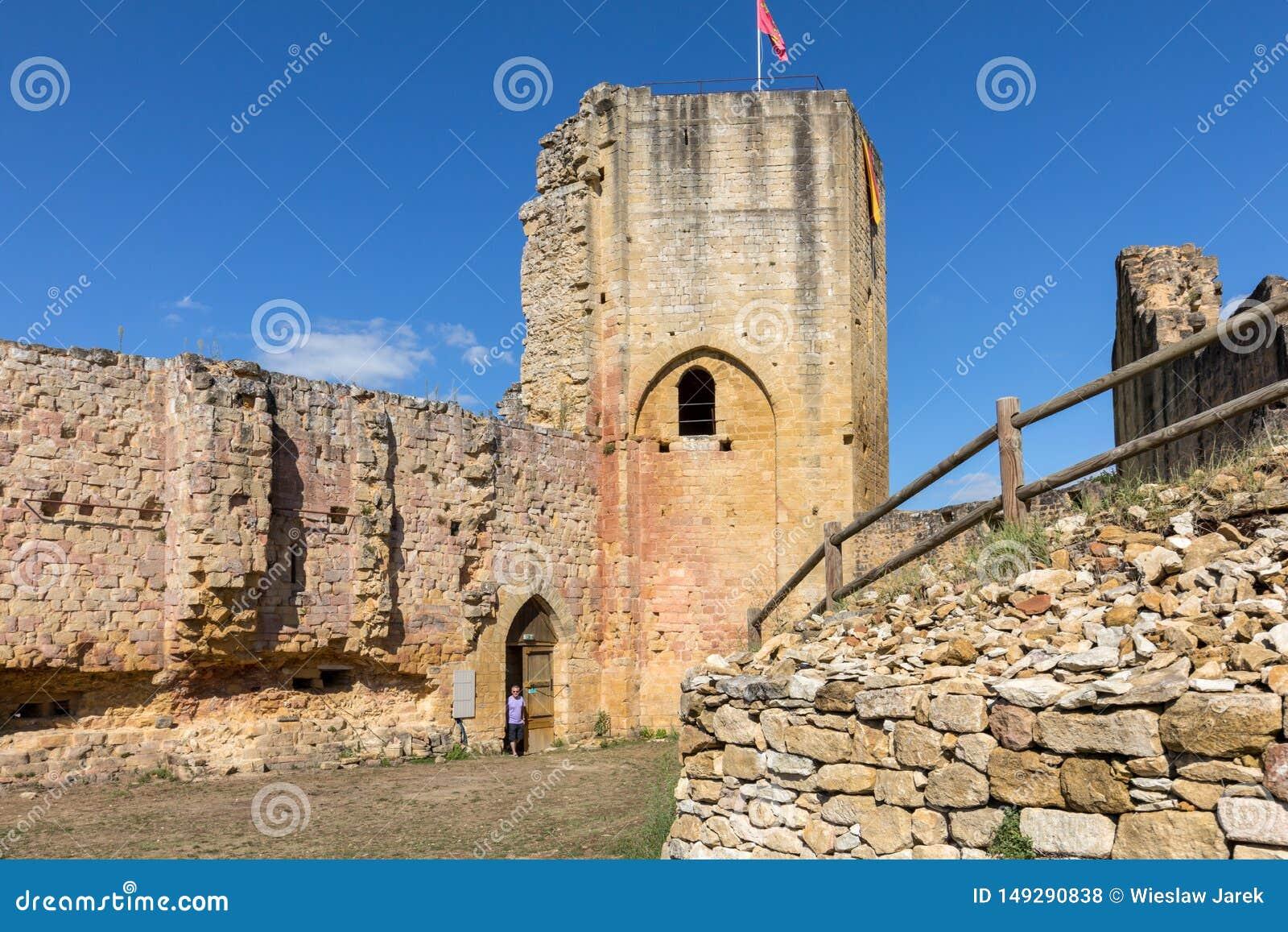 Καταστροφές του κάστρου σε Carlux στην κοιλάδα Dordogne, Aquitaine,