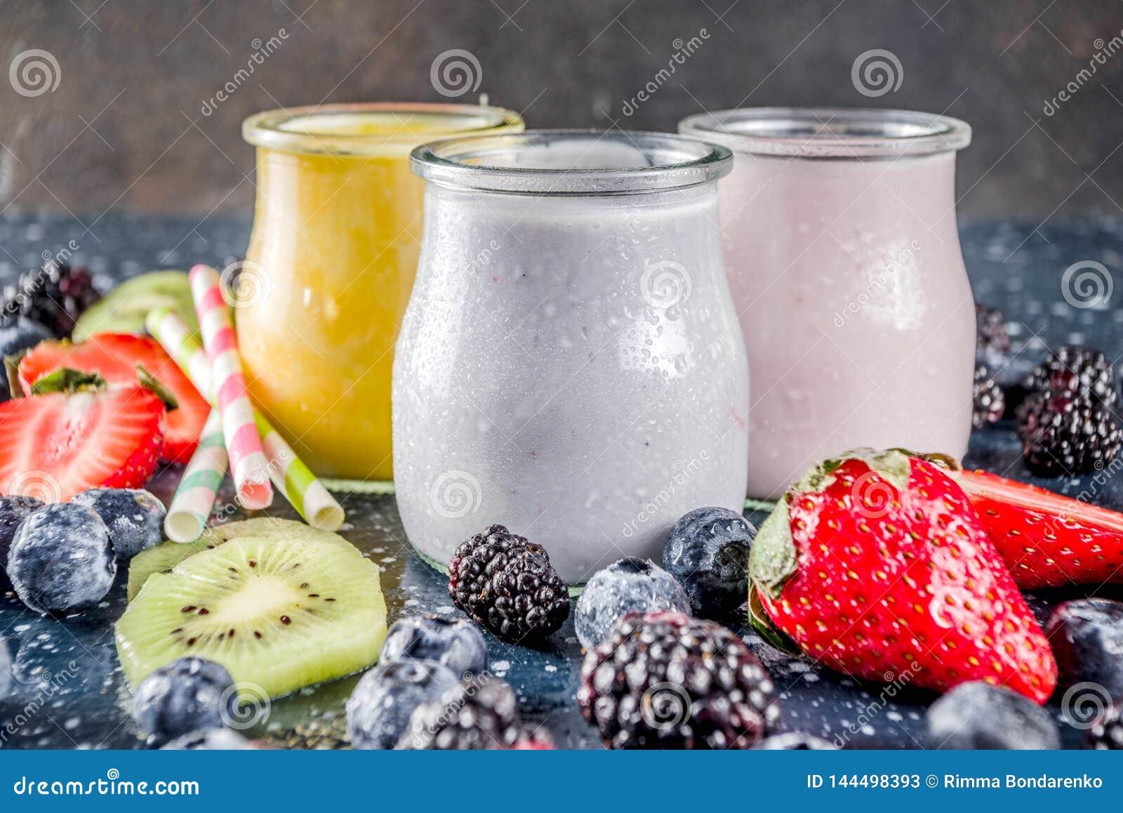 Καταφερτζής θερινών φρούτων και μούρων