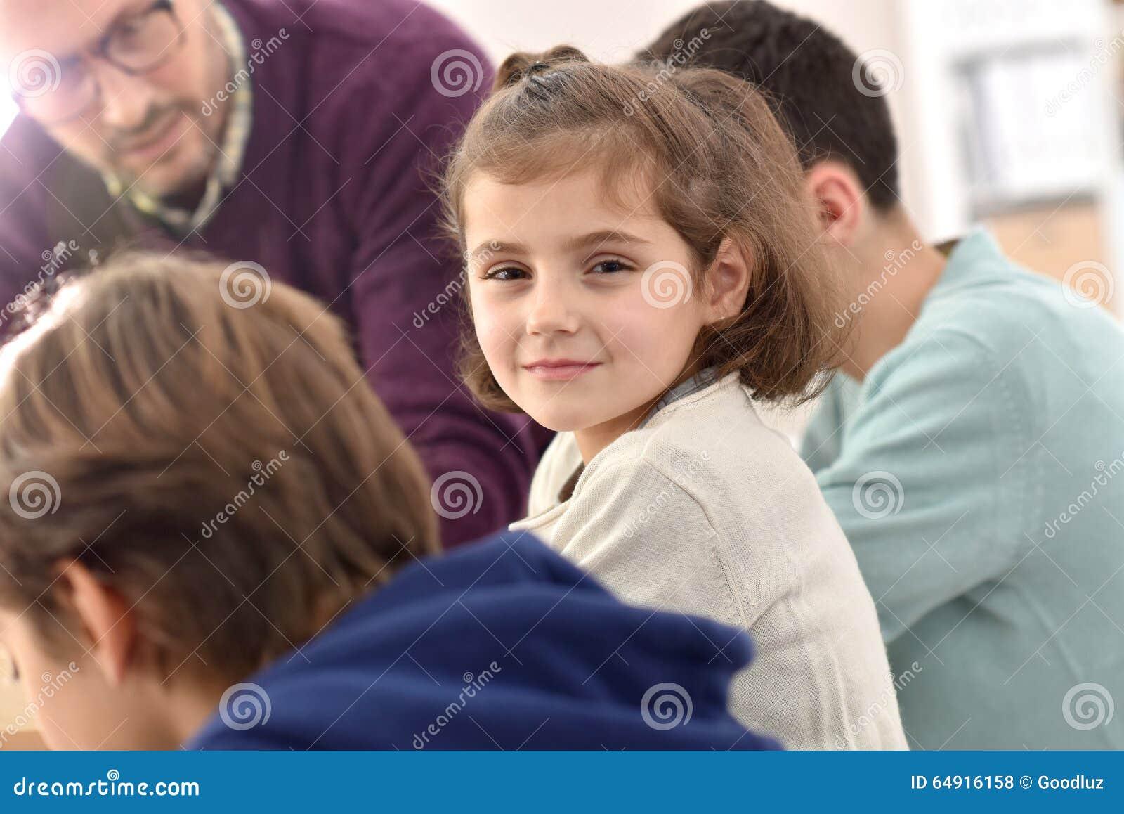 Κατηγορία παρουσίας μαθητριών χαμόγελου