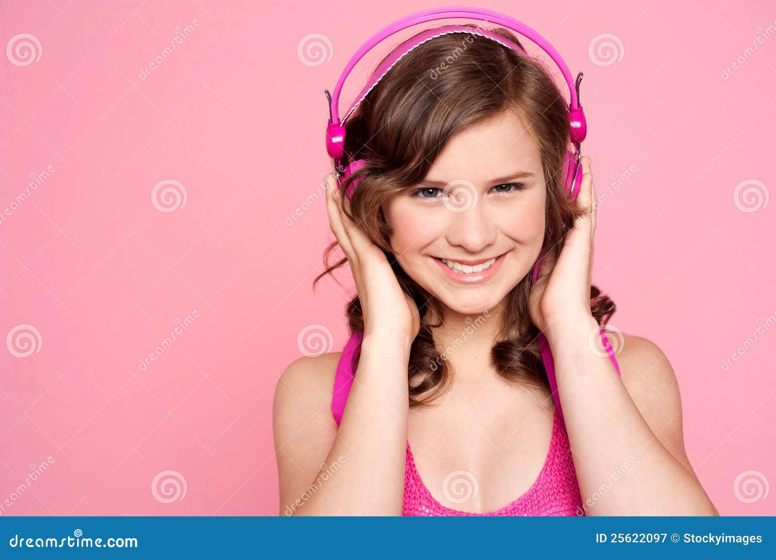 καυκάσια μουσική κοριτσιών αρκετά που συντονίζεται