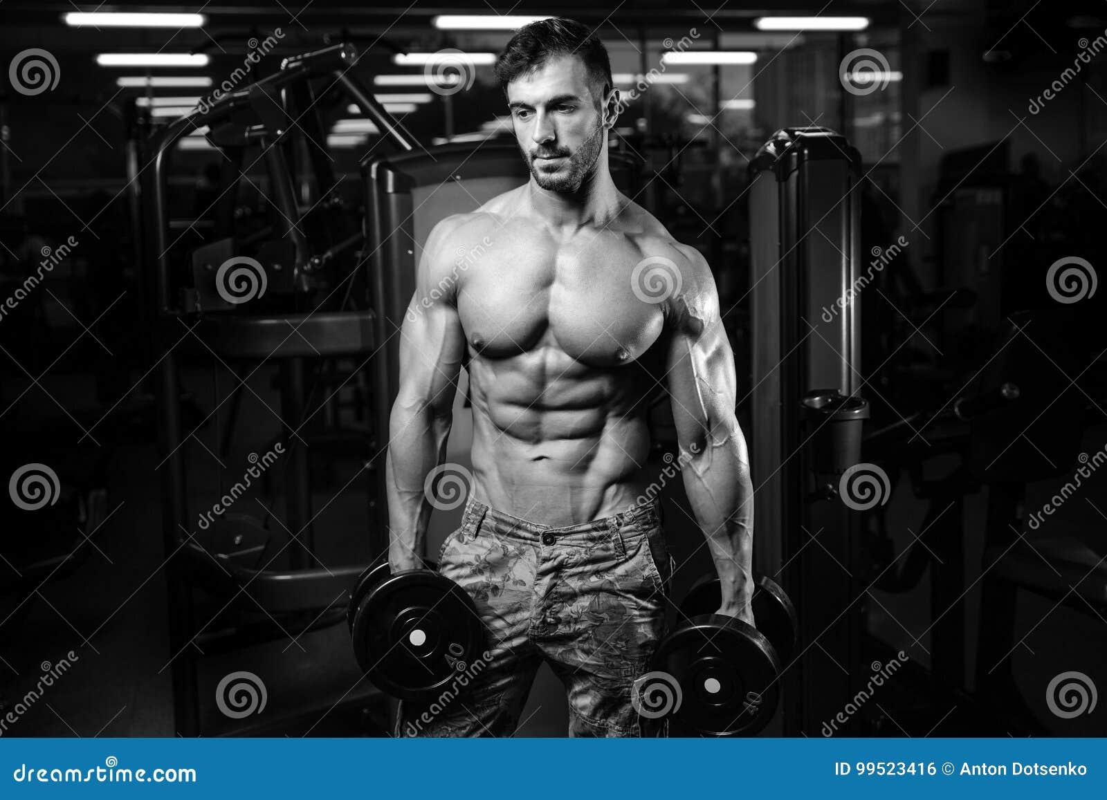 Καυκάσιο προκλητικό πρότυπο ικανότητας στα στενά επάνω ABS γυμναστικής