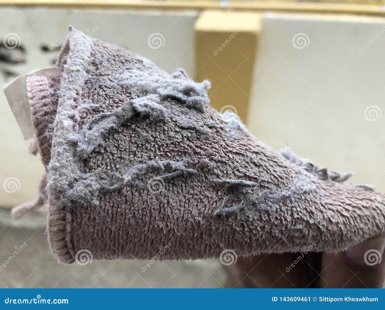 Καφετής σκουπίστε το ύφασμα για τον καθαρισμό της σκόνης