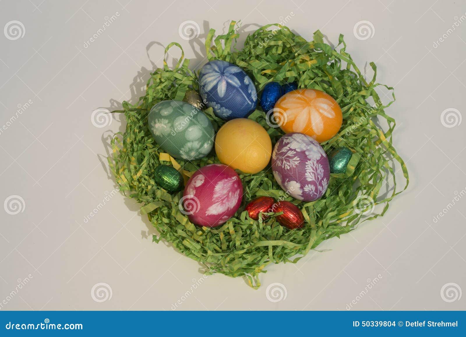 Καλάθι Πάσχας με τα αυγά Πάσχας 3