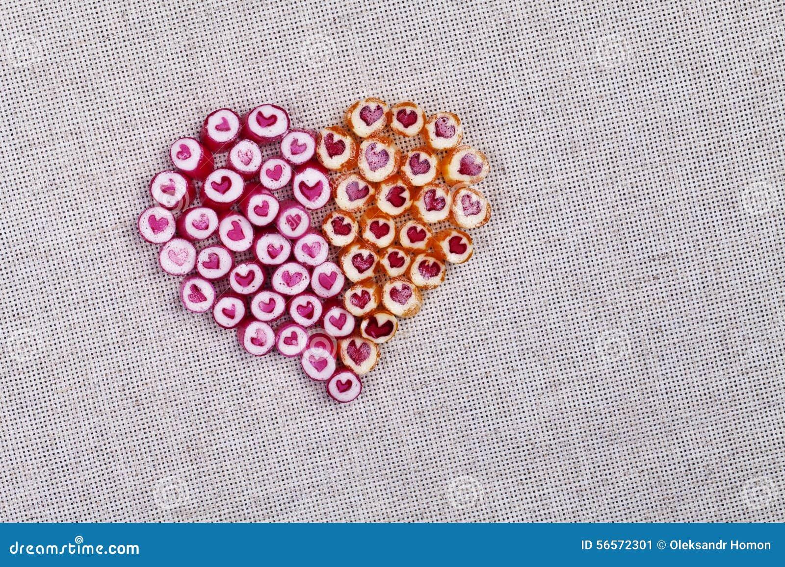 Download Καλοί κάλαμοι καραμελών καρδιών Στοκ Εικόνα - εικόνα από ζωηρόχρωμος, ημέρα: 56572301