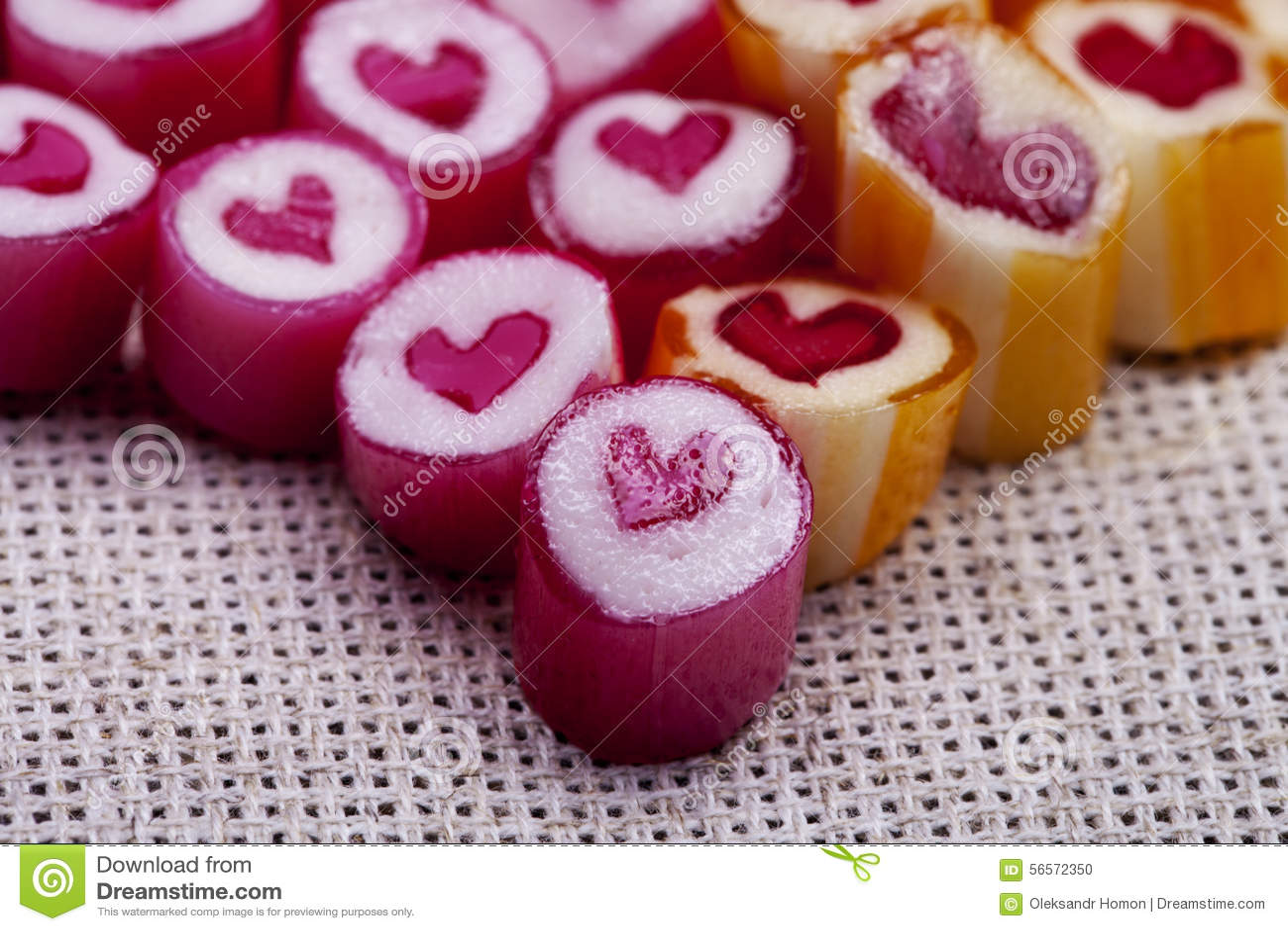 Download Καλοί κάλαμοι καραμελών καρδιών Στοκ Εικόνες - εικόνα από οδοντικός, σχέδιο: 56572350