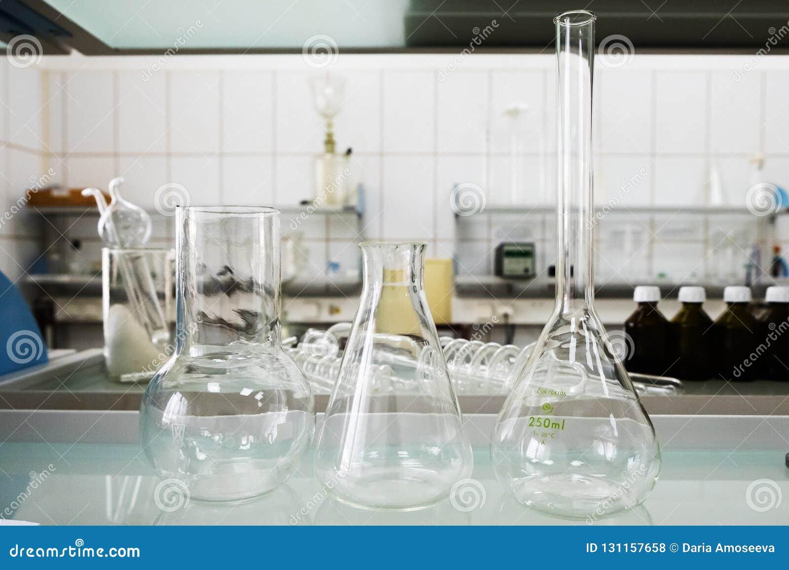 Κενές φιάλες Εξοπλισμός εργαστηριακής ανάλυσης Χημικό εργαστήριο, δοκιμή-σωλήνες γυαλικών