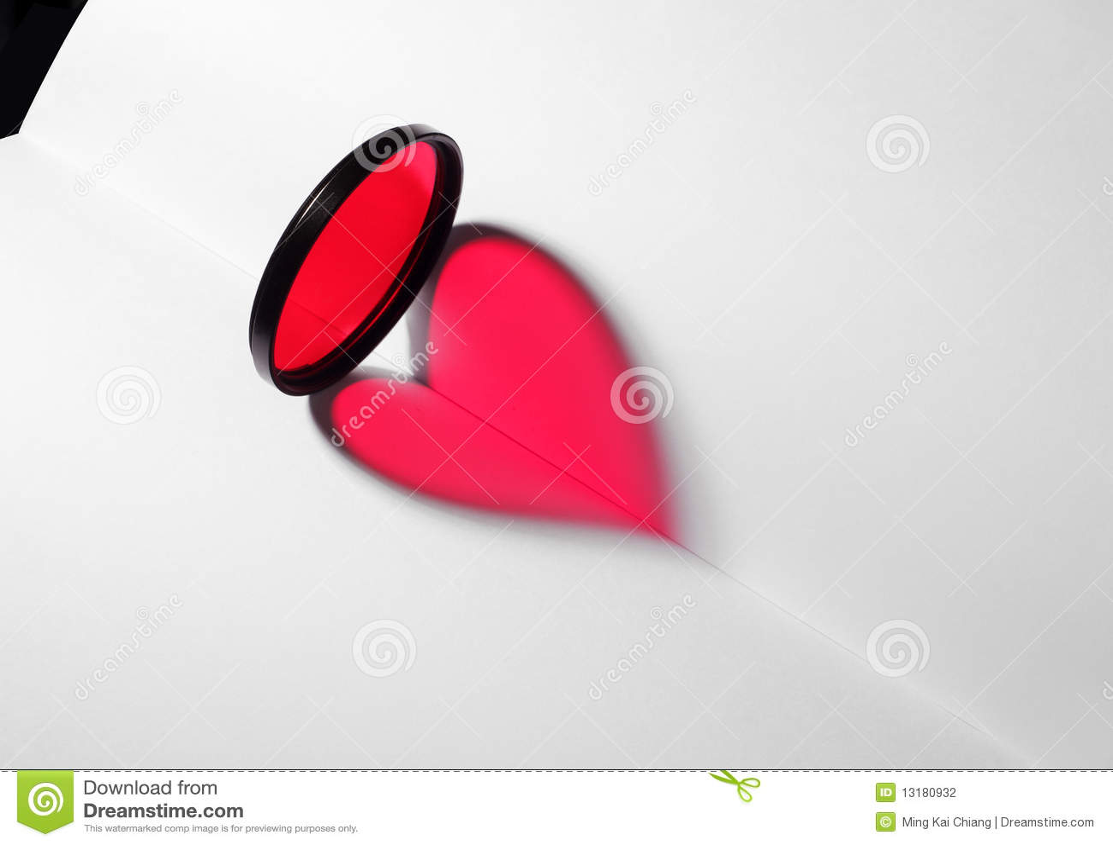 κενό κόκκινο καρδιών βιβλί&