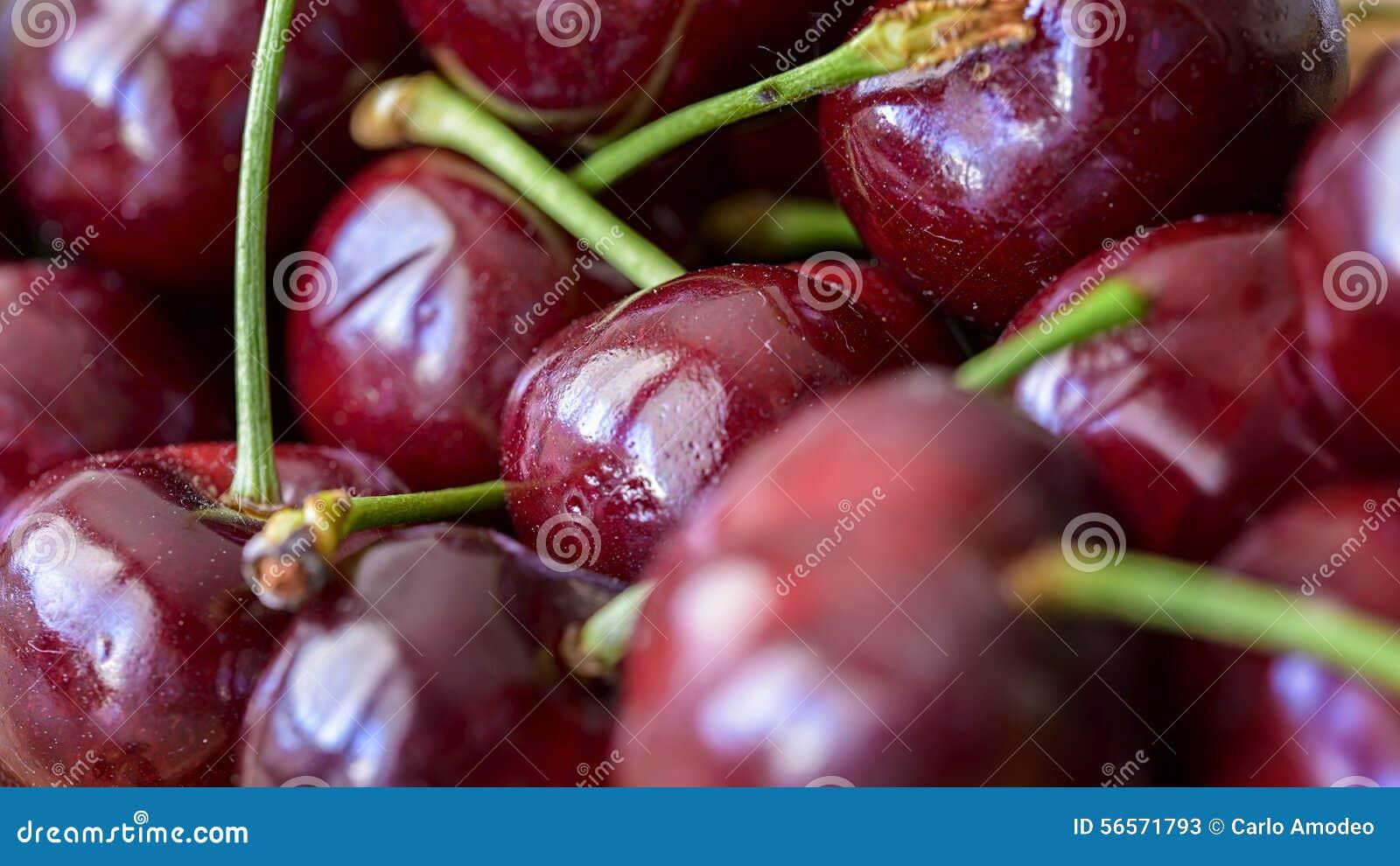 Download Κεράσια στοκ εικόνα. εικόνα από juicy, οργανικός, τρόφιμα - 56571793
