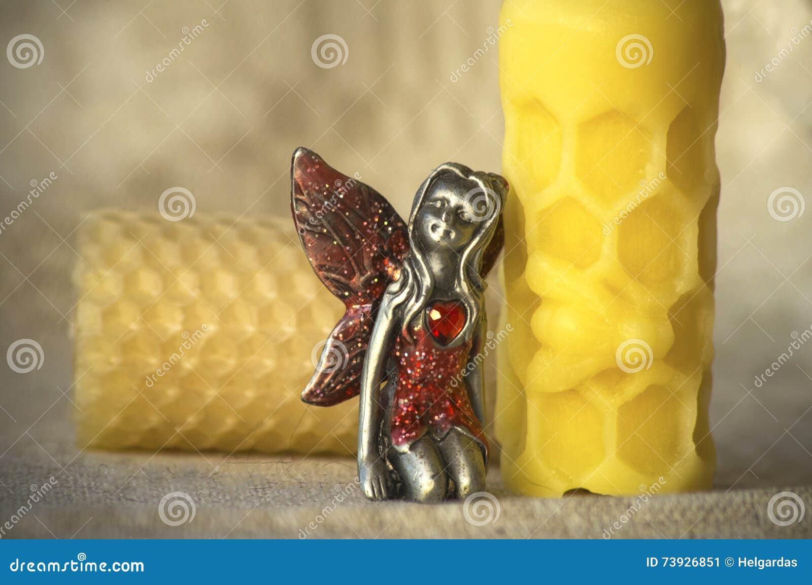 Κερί μελισσοκηρού και μια νεράιδα