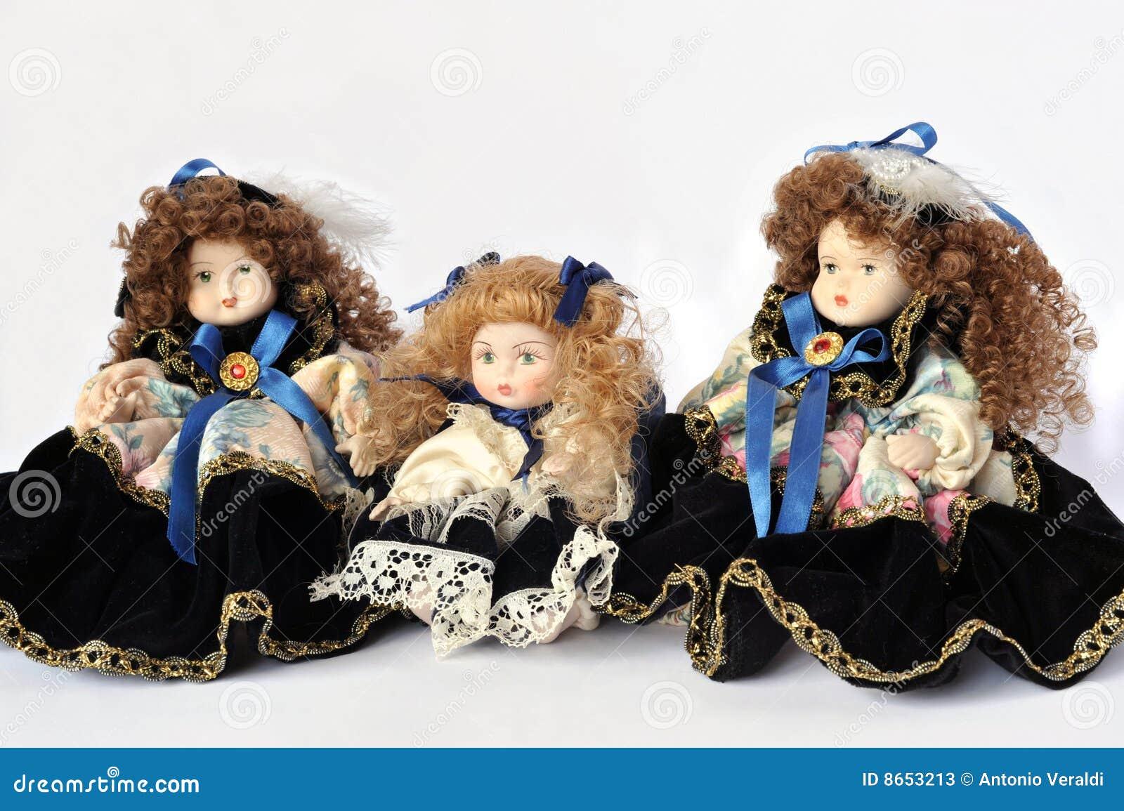 κεραμικές κούκλες