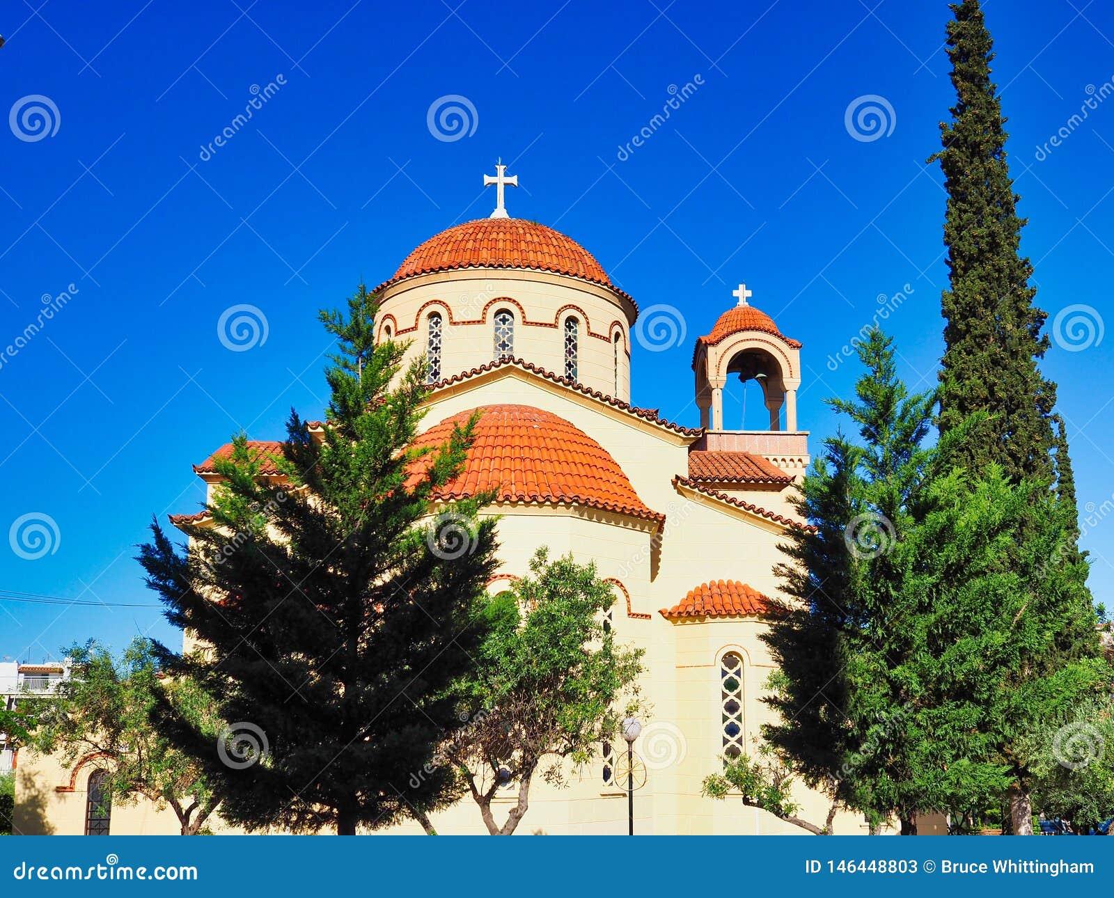 Κεραμωμένοι τερακότα θόλοι στην ελληνική Ορθόδοξη Εκκλησία, Αθήνα, Ελλάδα