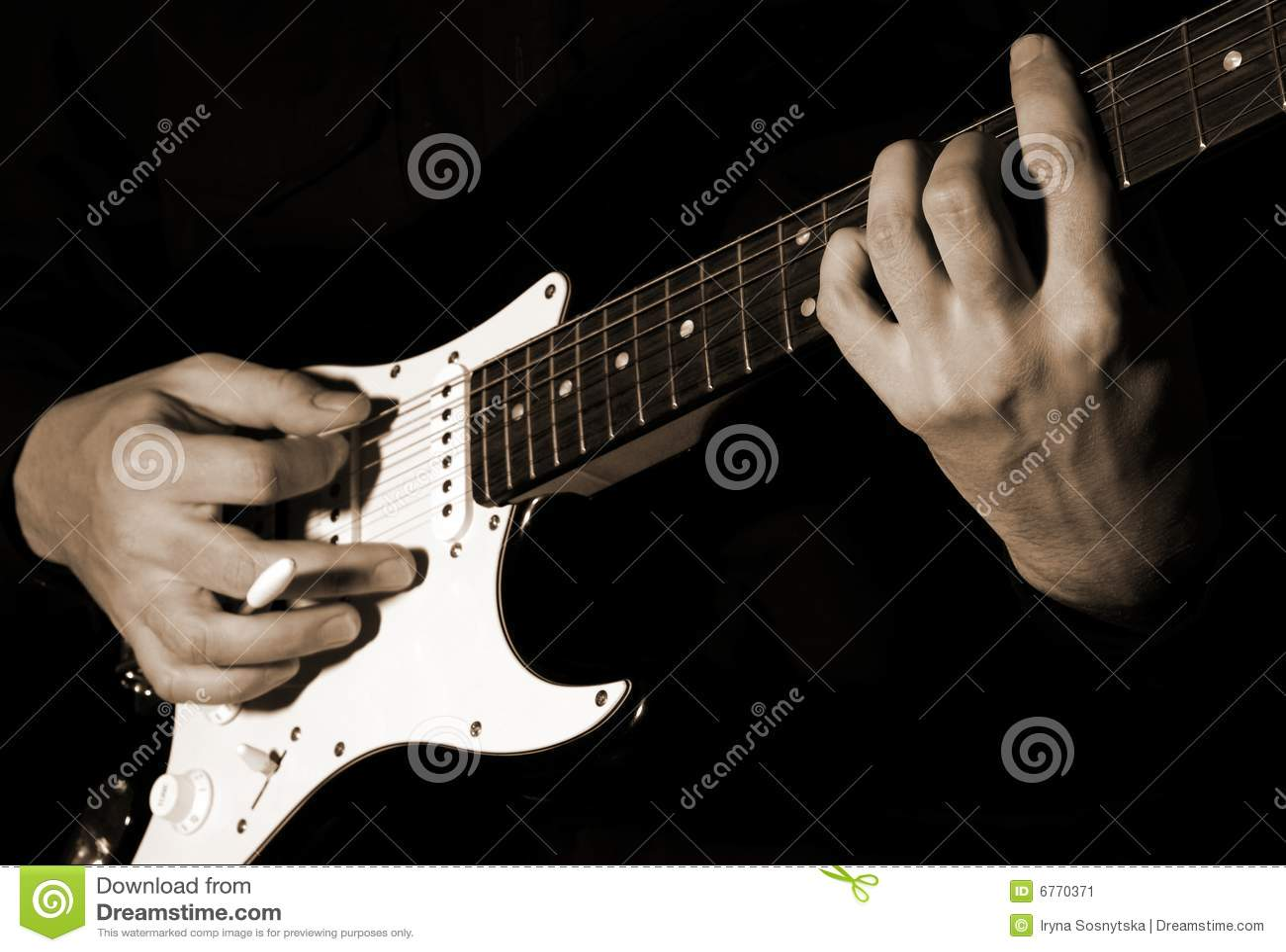 Κιθάρα παιχνιδιού μουσικών