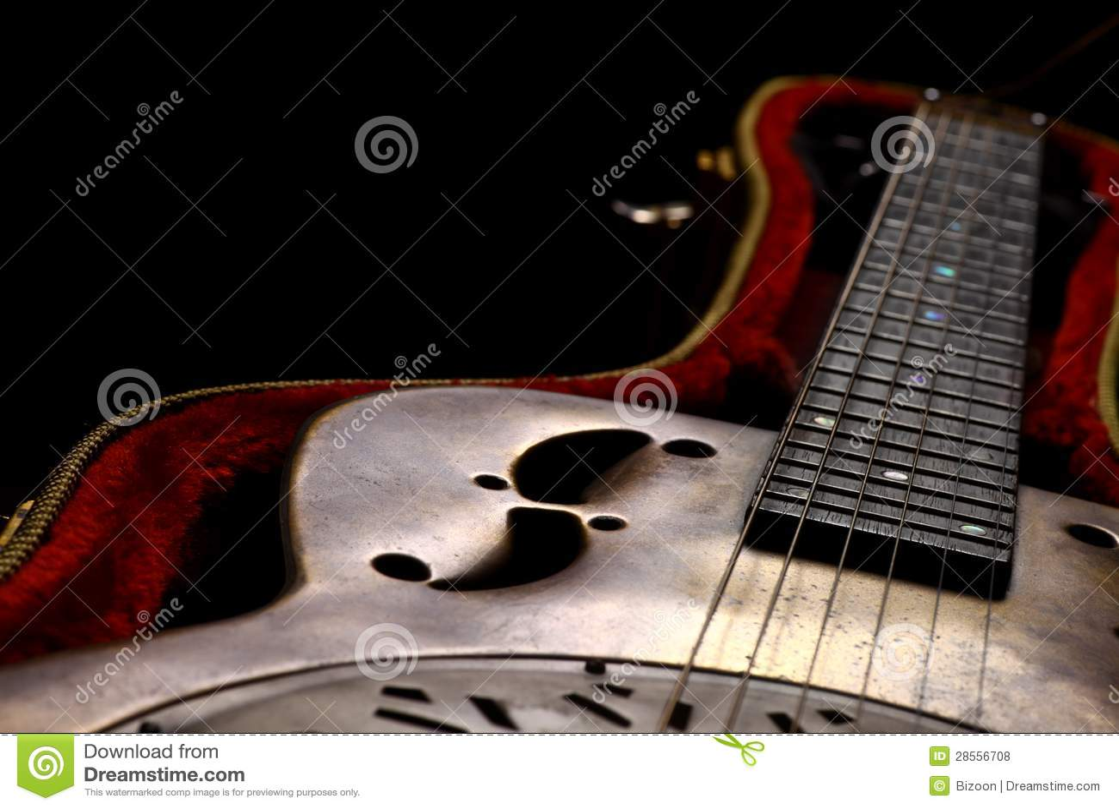 Κιθάρα Dobro σε περίπτωση που