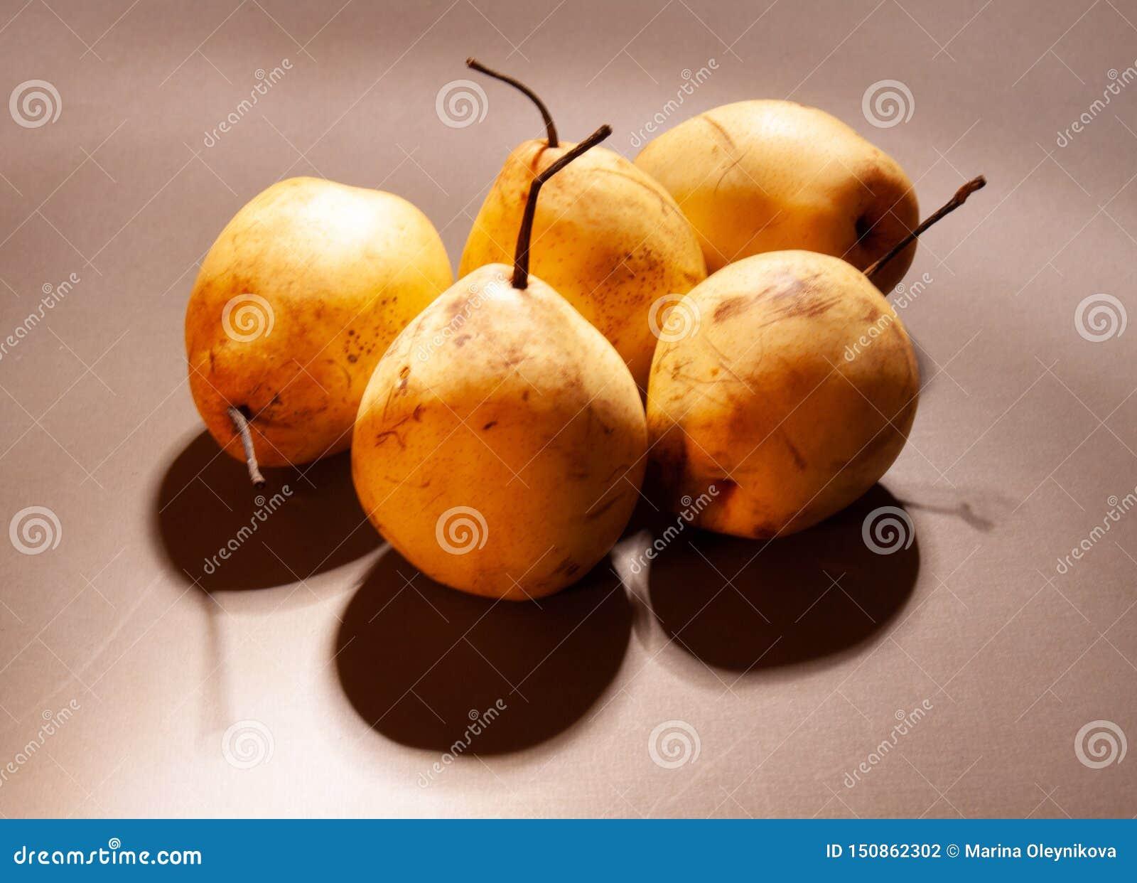 Κινεζικά αχλάδια με τις σκιές