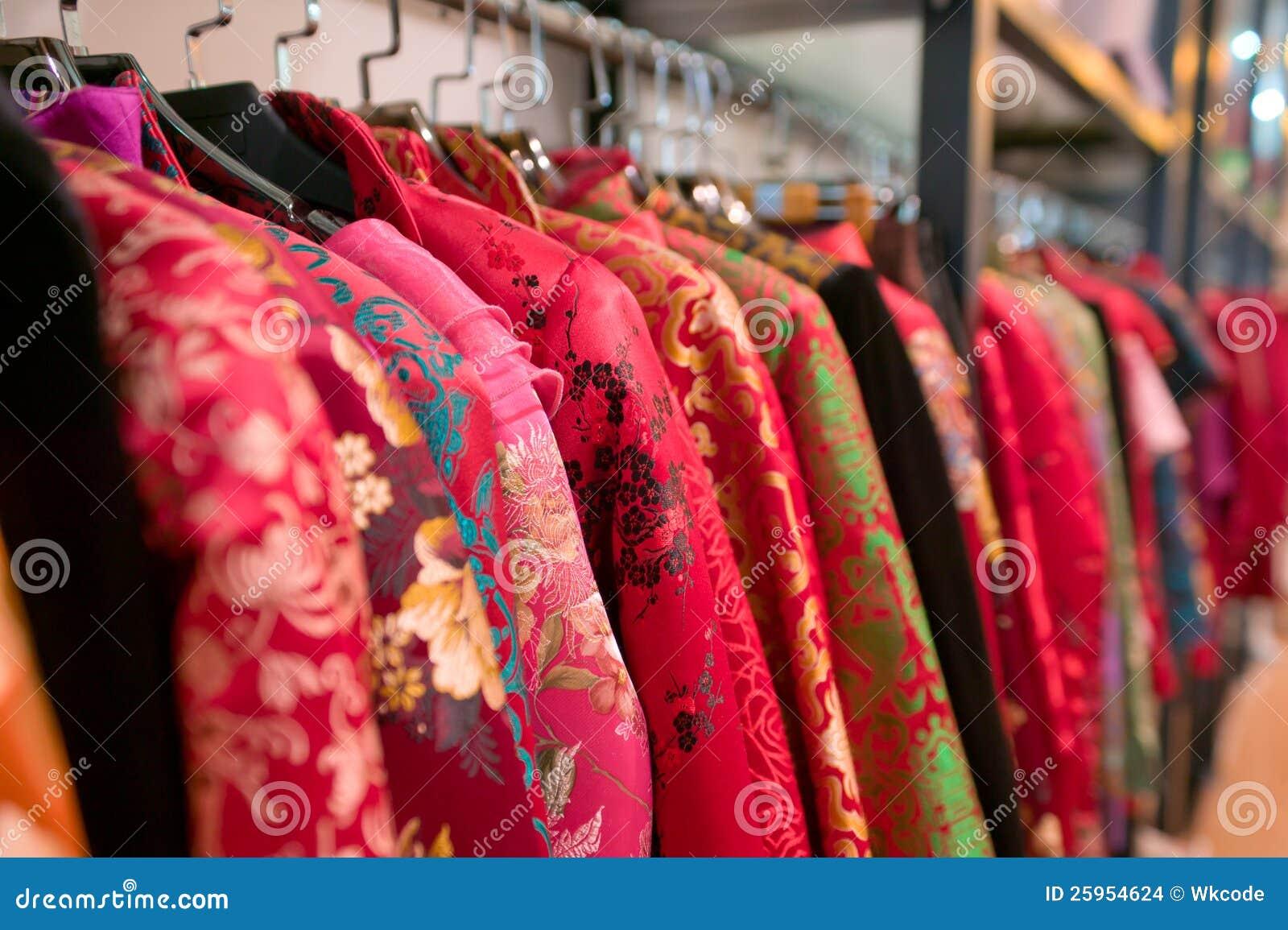 cd614c95deb Κινεζικό κατάστημα φορεμάτων Στοκ Εικόνες - εικόνα από floral ...