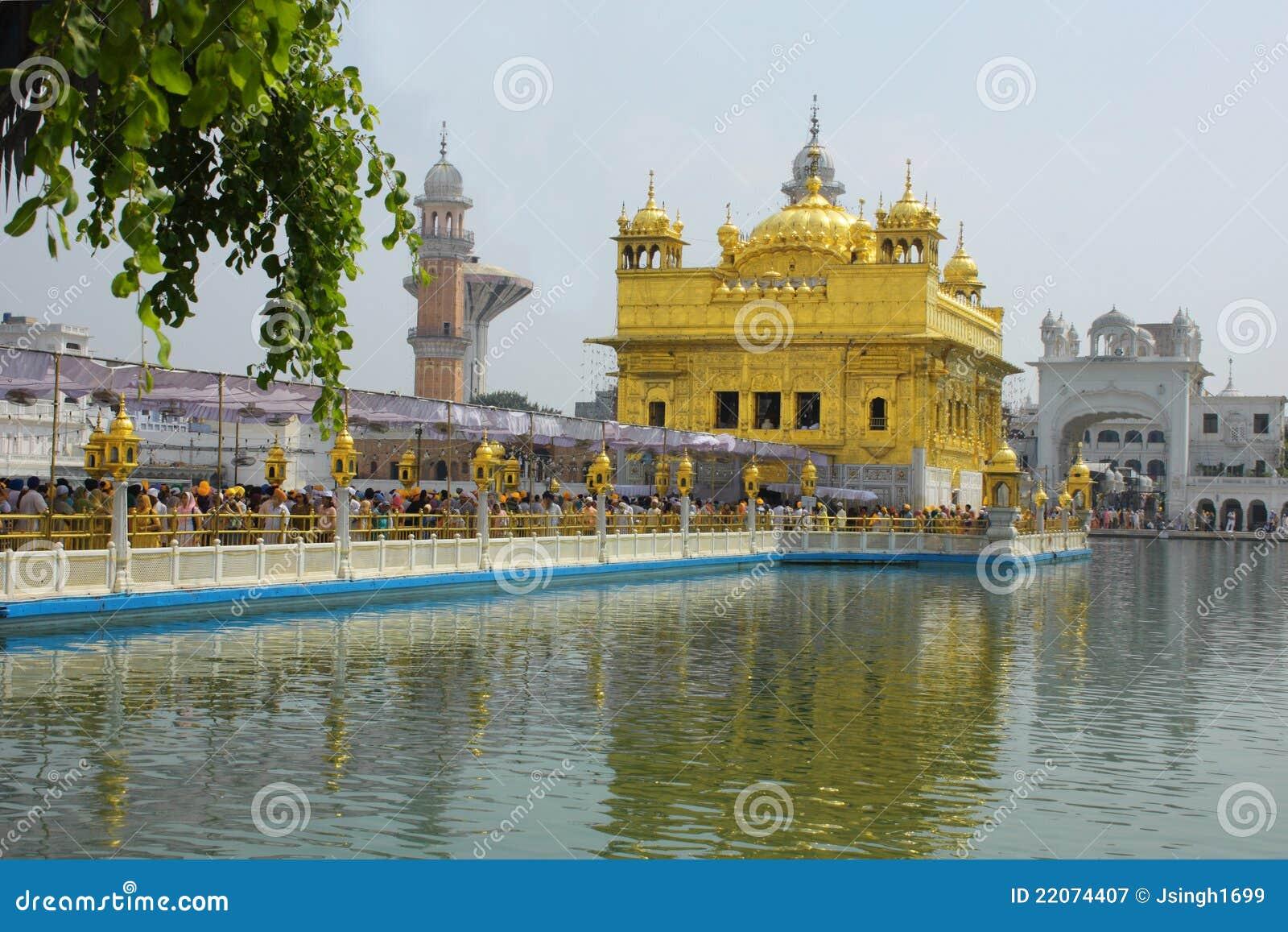 Κινηματογράφηση σε πρώτο πλάνο του χρυσού ναού Amritsar Punjab Ινδία