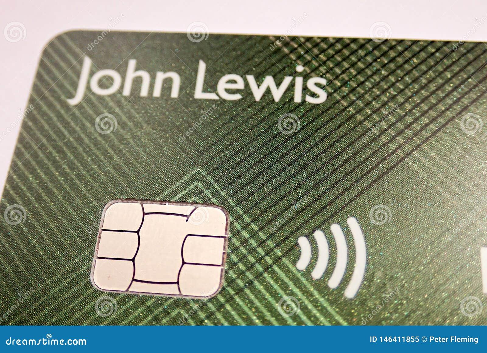 Κινηματογράφηση σε πρώτο πλάνο του John Lewis και της κάρτας συνεργασίας Waitrose