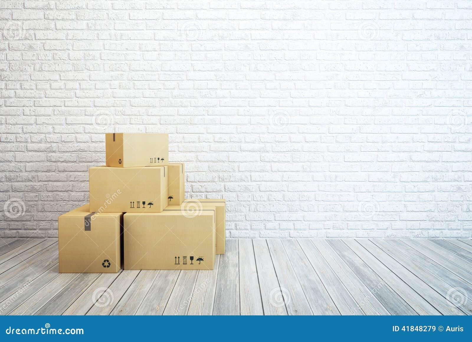 Κινούμενα κιβώτια σε ένα νέο σπίτι