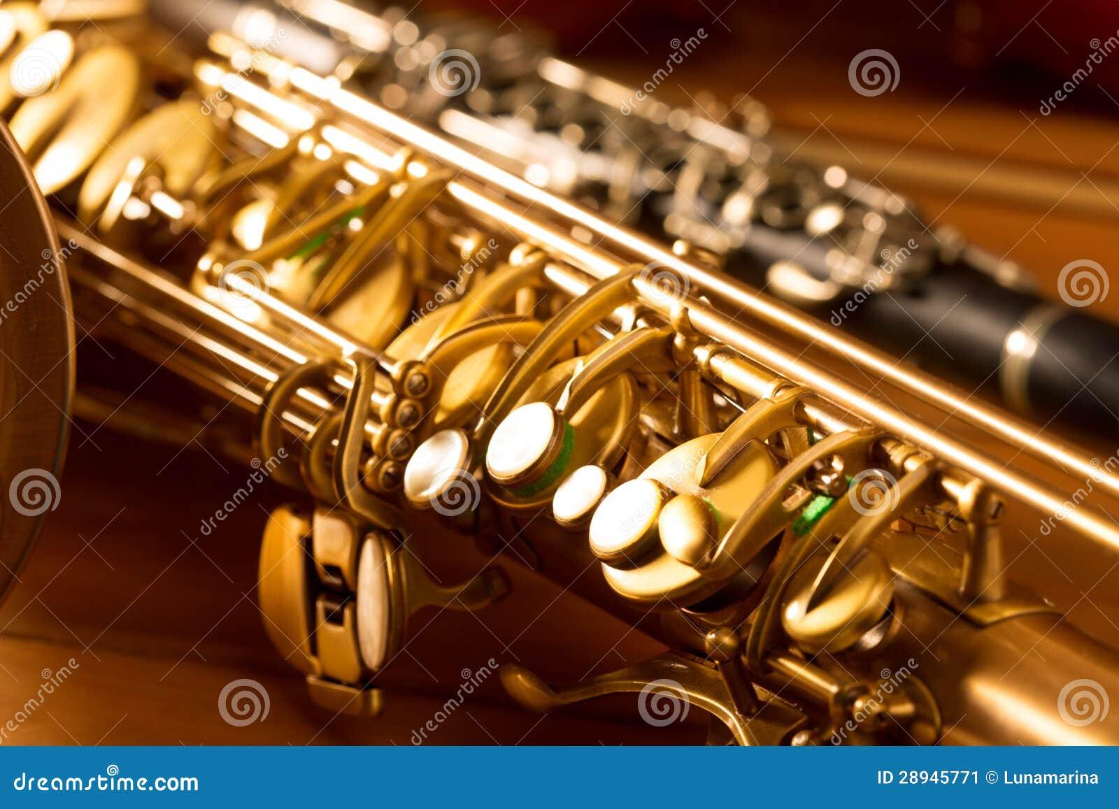 Κλασικοί saxophone γενικής ιδέας σκεπάρνι μουσικής και τρύγος κλαρινέτων