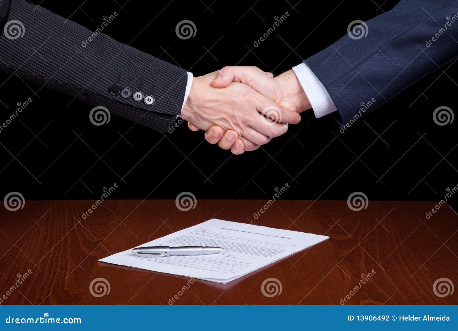 κλείνοντας σύμβαση