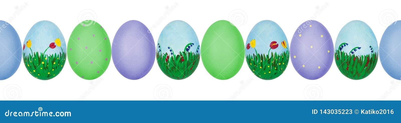 Κλείστε επάνω τη φωτογραφία των ζωηρόχρωμων χρωματισμένων χέρι αυγών Πάσχας με eggshell τη σύσταση σε μια σειρά πρότυπο άνευ ραφή