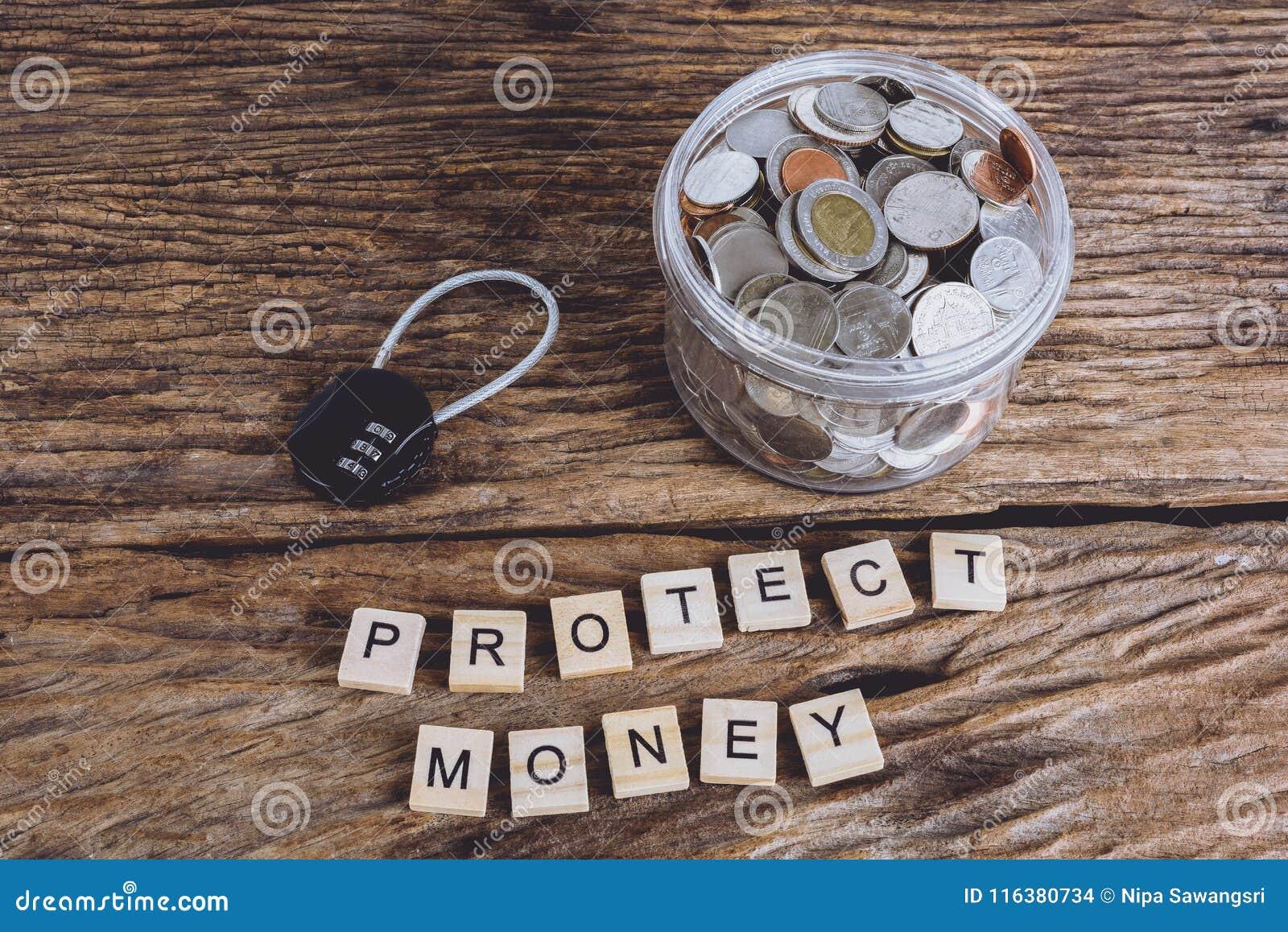 Κλειδαριά ασφάλειας με pass-code και τα πλήρη νομίσματα με το βάζο, λέξεις PROT