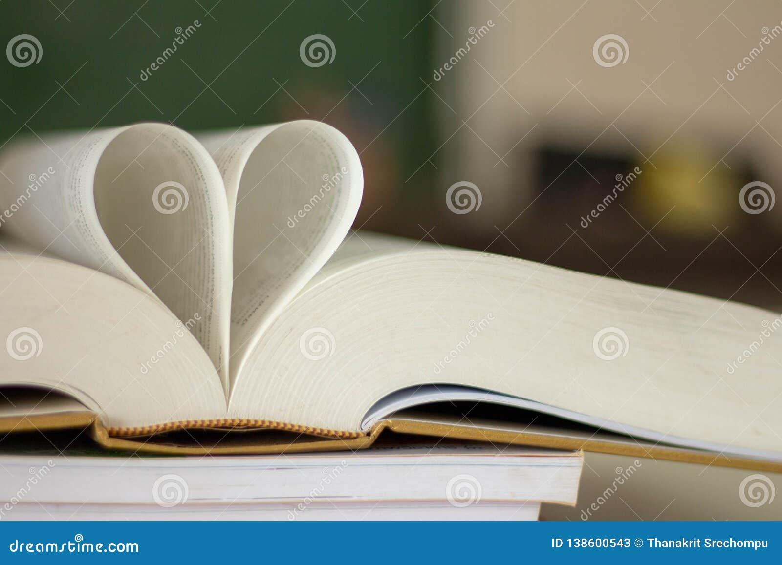Κλειστή μορφή καρδιών από το βιβλίο
