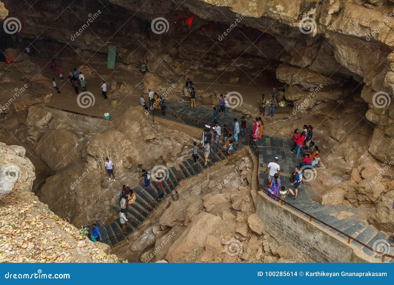 Κοιλάδα Araku, Visakhapatnam Άντρα Πραντές, Ινδία, στις 4 Μαρτίου 2017: Εσωτερική άποψη της σπηλιάς borra