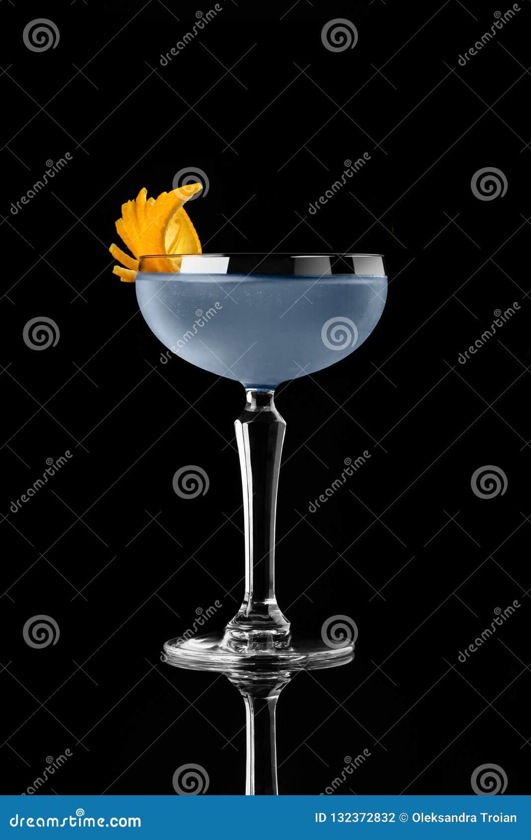 Κοκτέιλ στο μαύρο τονωτικό πορτοκαλή μπλε πράκτορα 007 wiskey βότκας φραγμών εστιατορίων σχεδιαγράμματος επιλογών υποβάθρου στούν