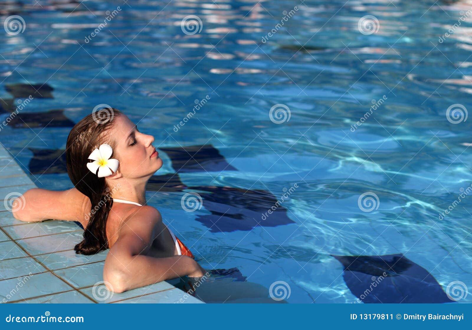κολυμπώντας γυναίκα λιμ&n